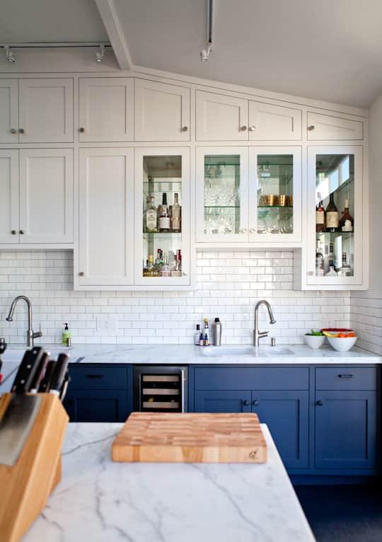 white blue marble kitchen