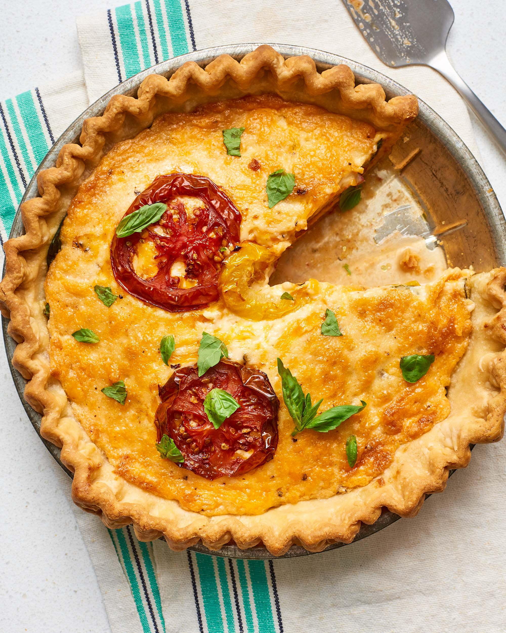 How To Make Easy Tomato Pie: gallery image 1