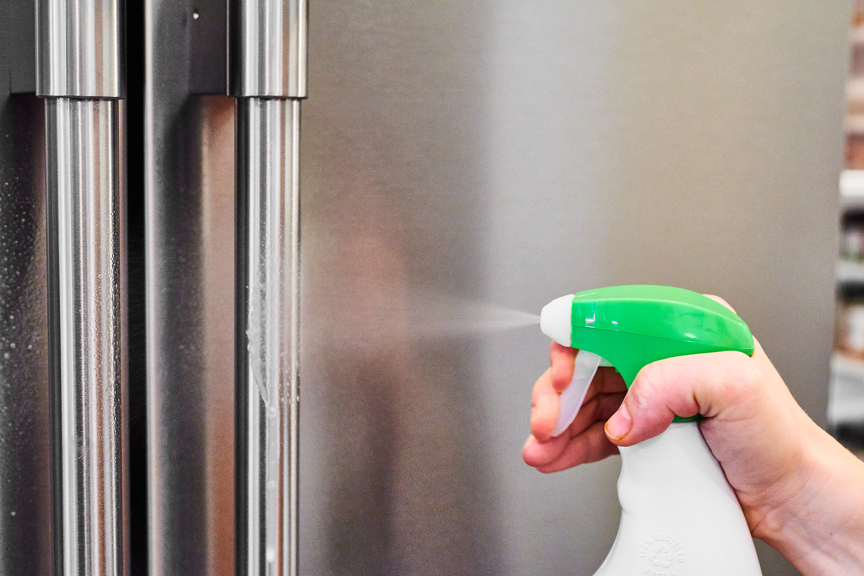 How To Properly Wipe Down Your Germy Appliance Handles: gallery image 1