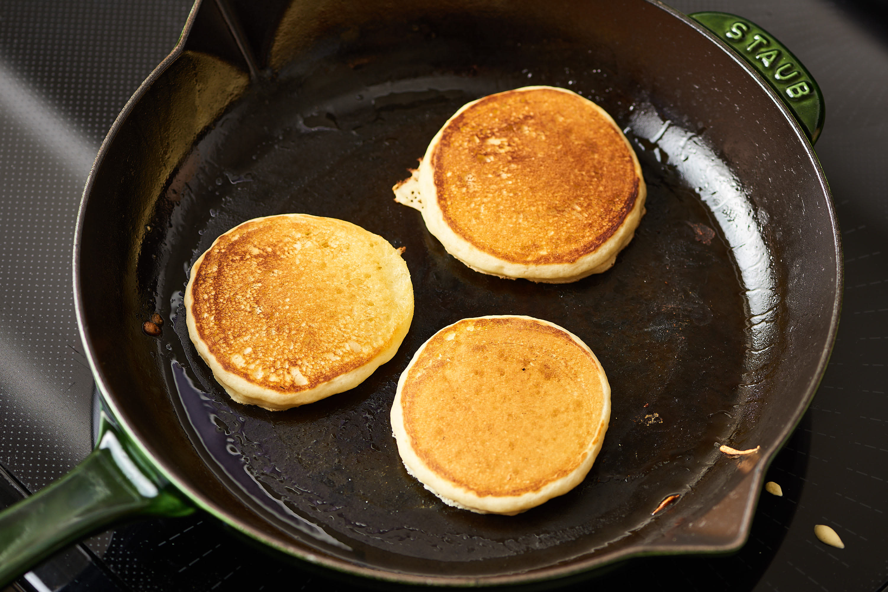 How To Make the Easiest Pancakes Ever: gallery image 8