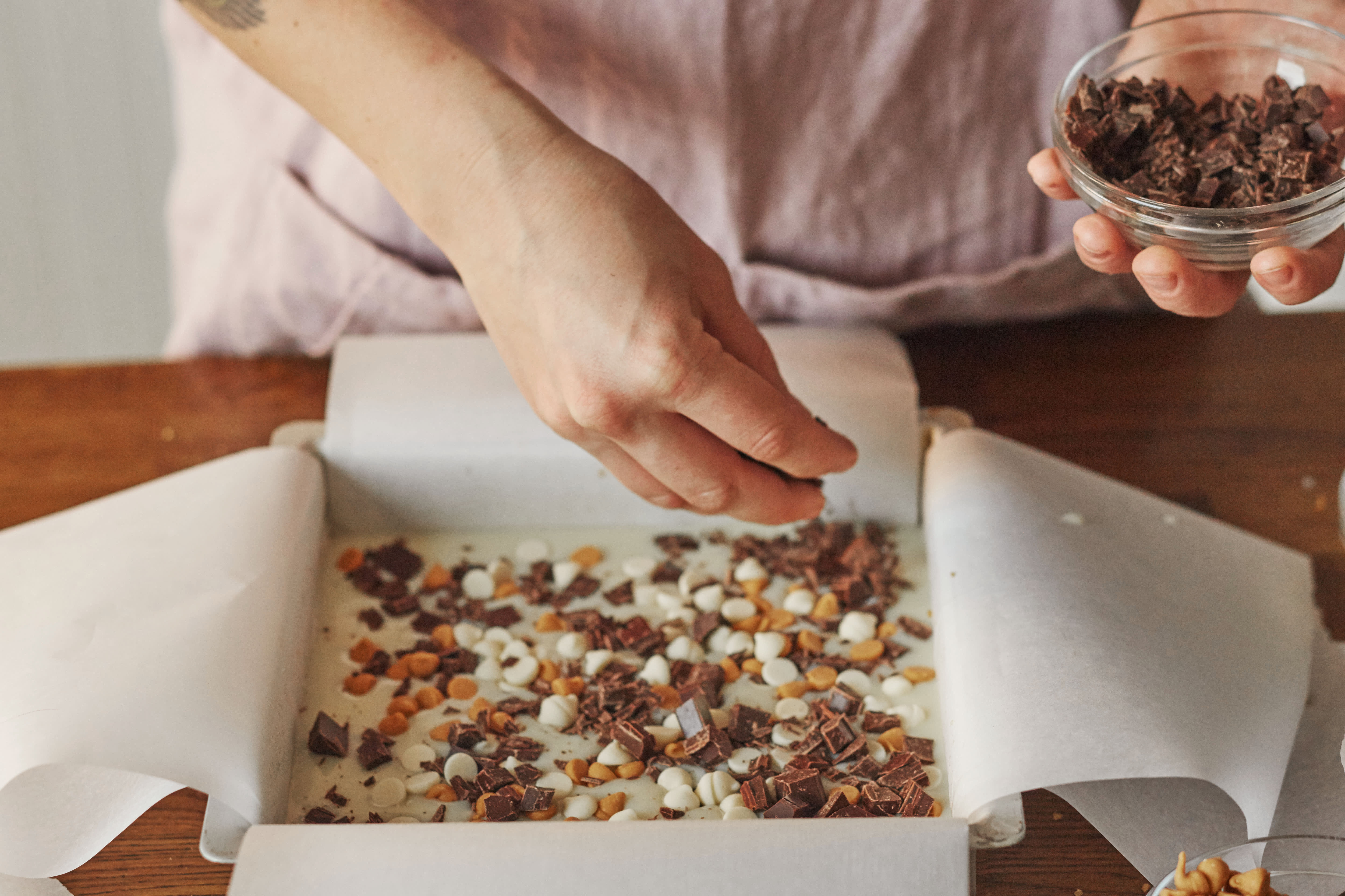 How To Make Magic Cookie Bars: gallery image 5