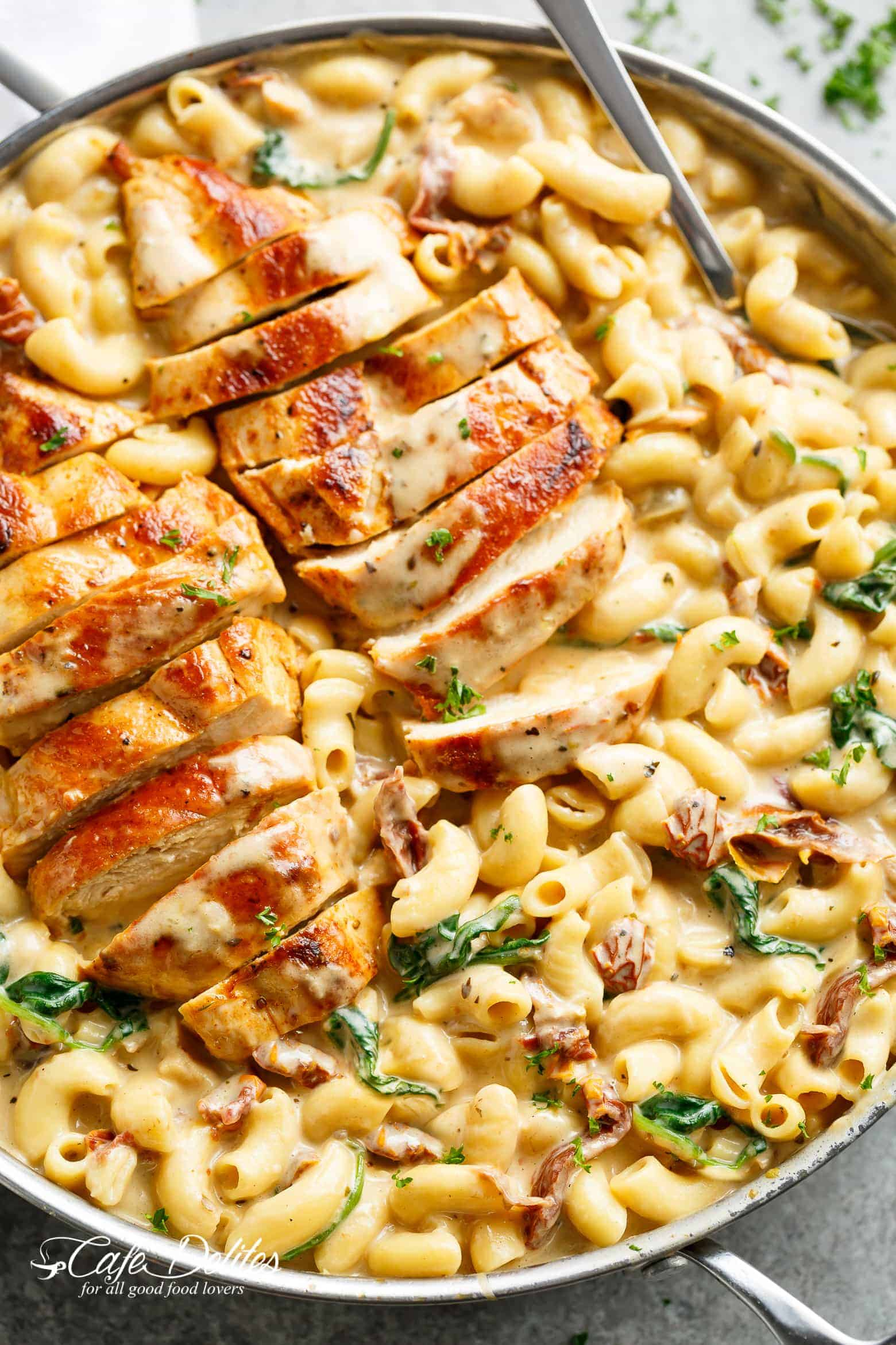 Tuscan Chicken Macaroni and Cheese Is a One-Pot Wonder