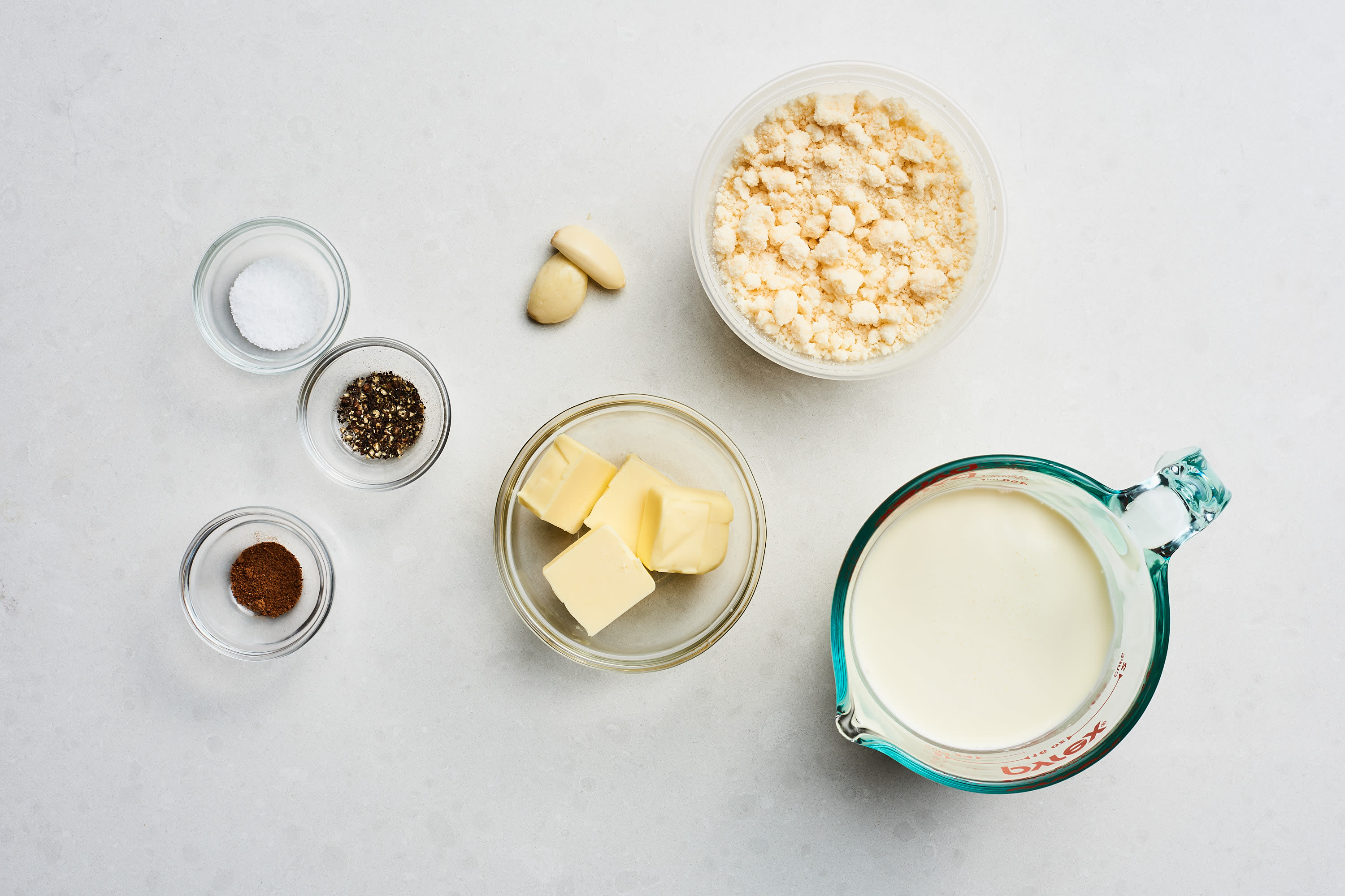 How To Make the Best, Easiest Homemade Alfredo Sauce: gallery image 2