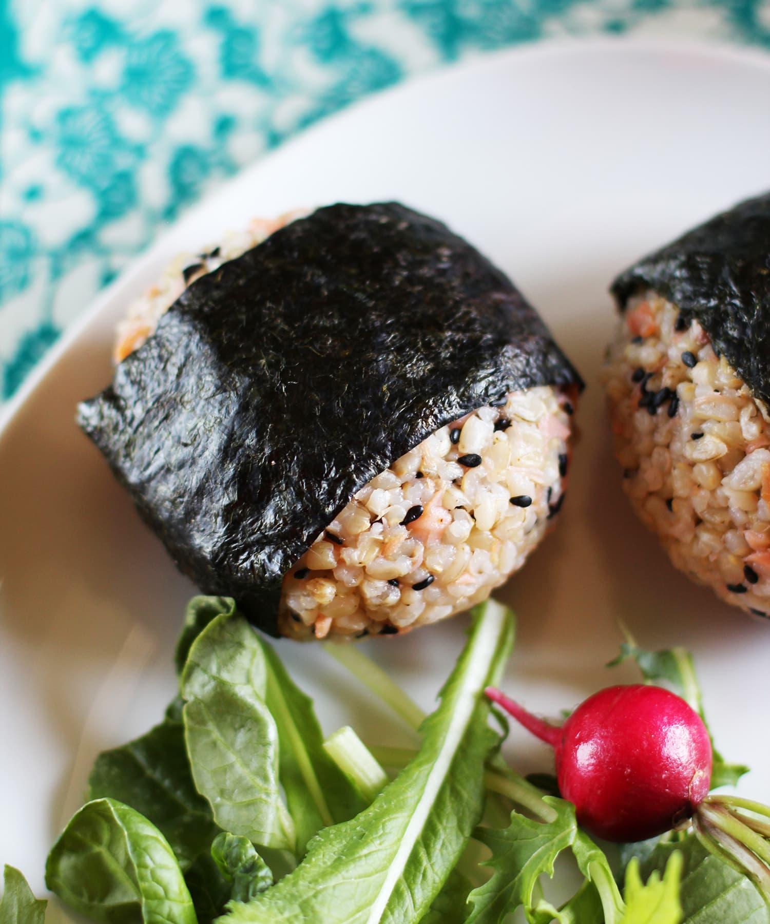 Recipe: Salmon and Black Sesame Onigiri (Japanese Rice Balls)