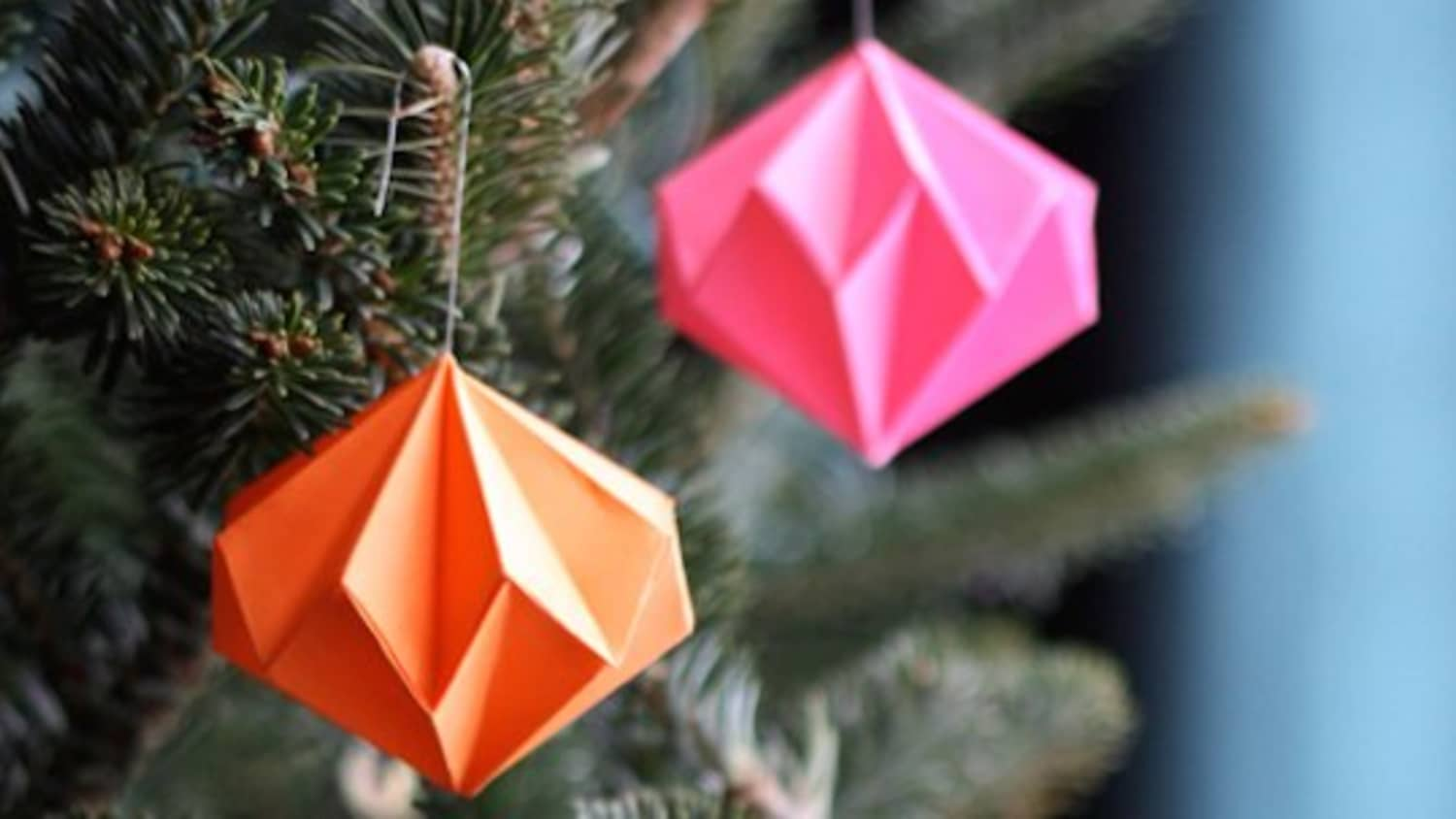 Origami Christmas.Origami Christmas Ornaments Apartment Therapy