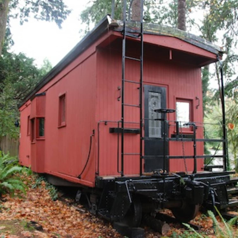 The Davidson's 1949 Railroad Caboose   Apartment Therapy