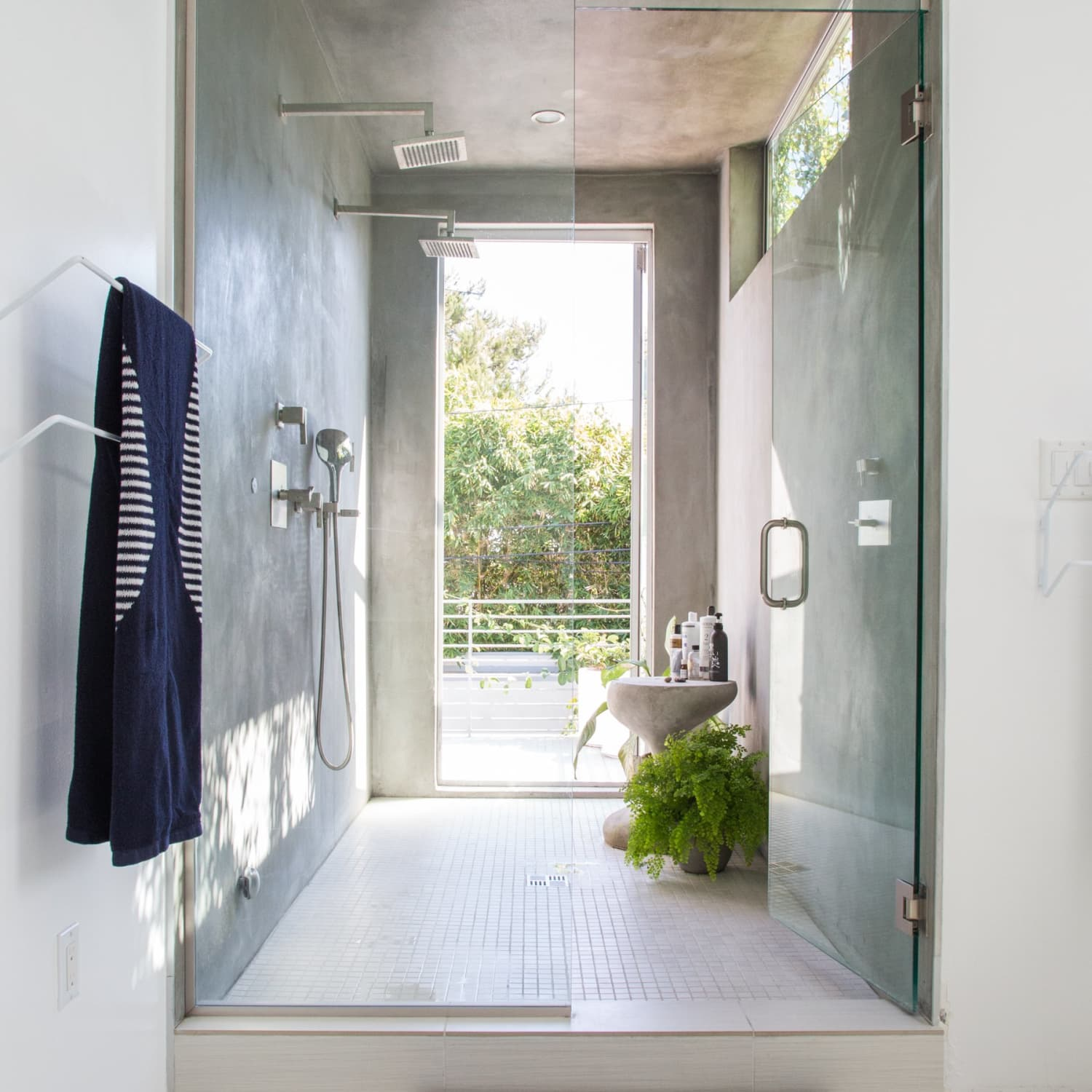 5 Different Ways To Keep Your Glass Shower Door Clean For