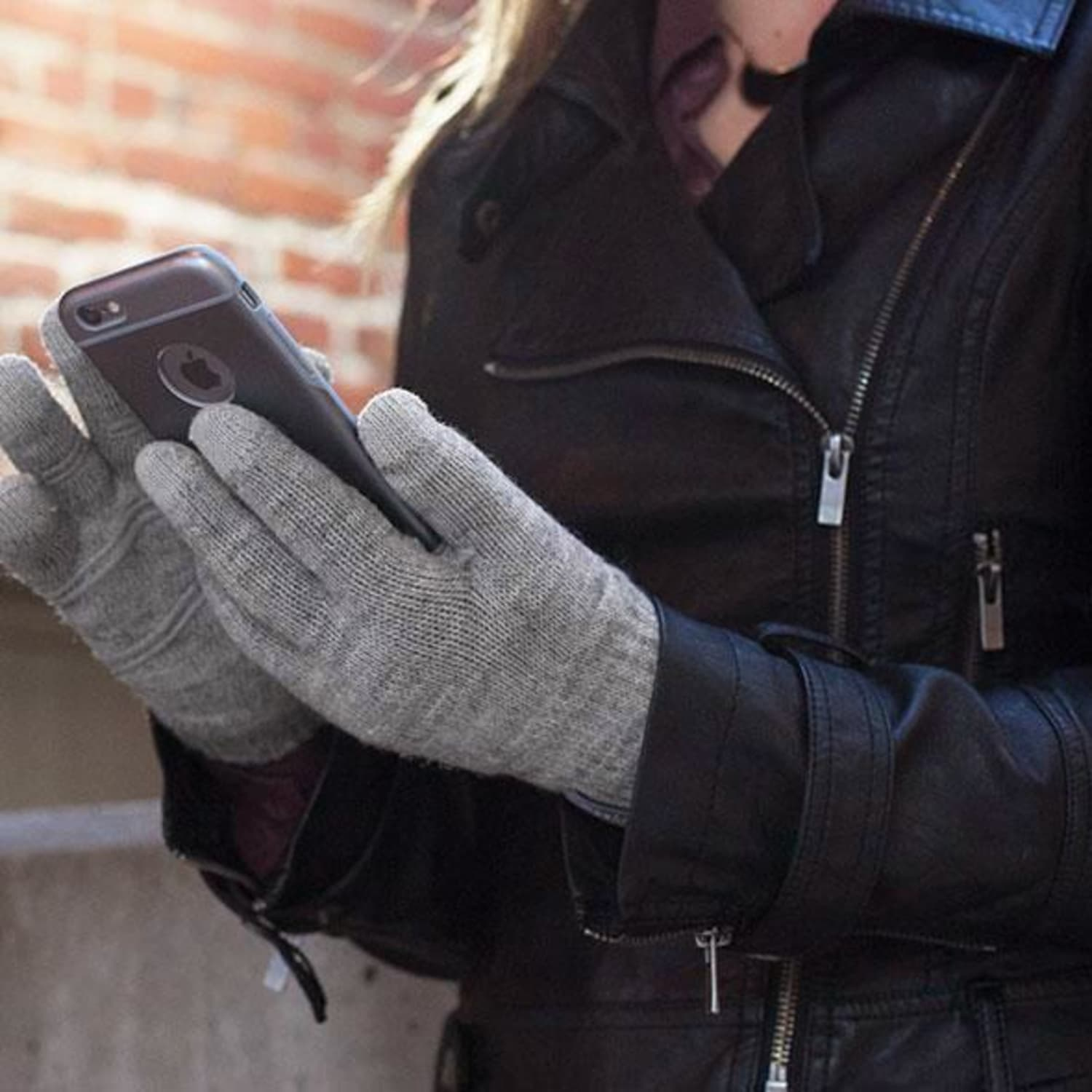 6a078bfe5 The Best Touchscreen-Compatible Gloves | Apartment Therapy