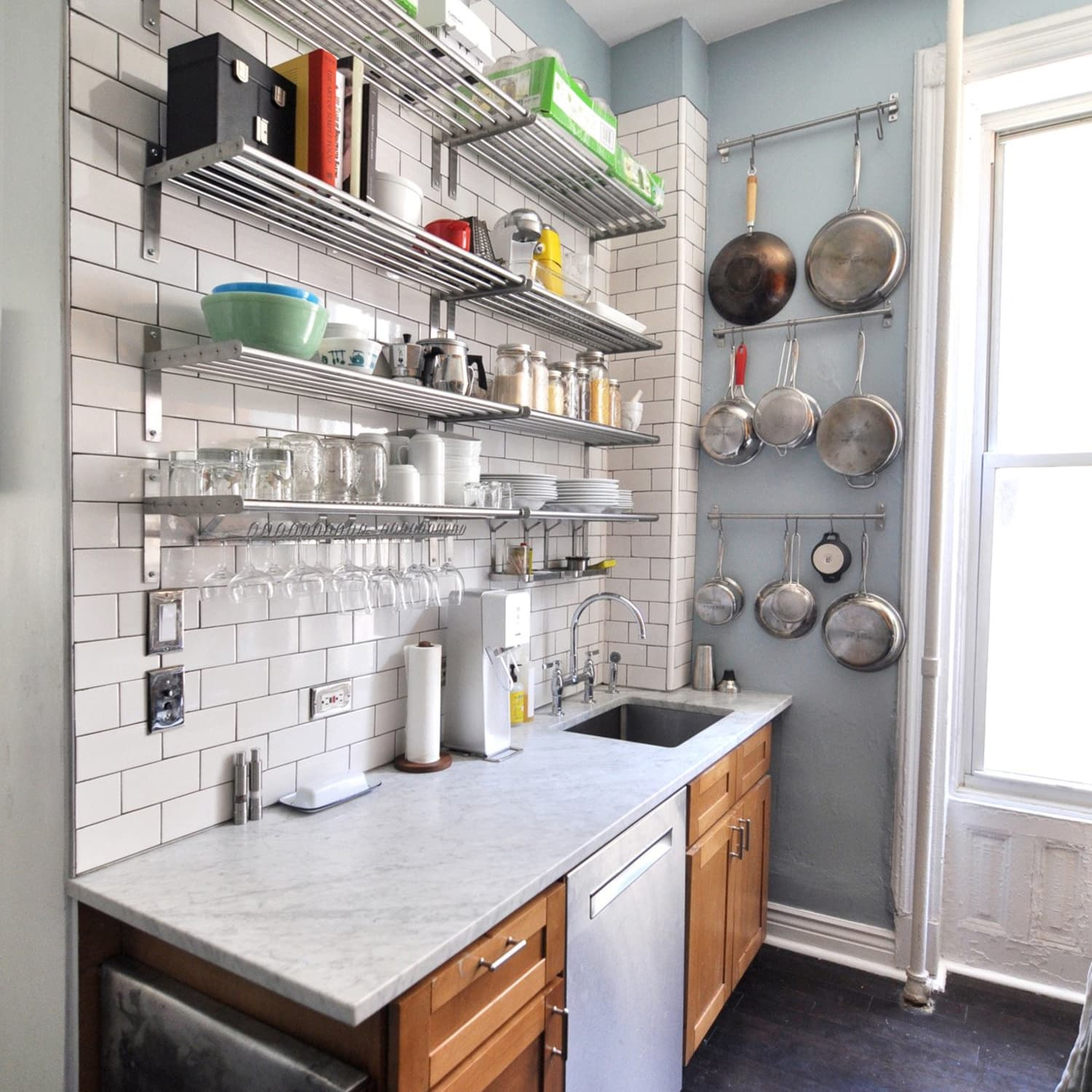 How to Organize a Small Apartment Kitchen: A 7-Step Plan ...