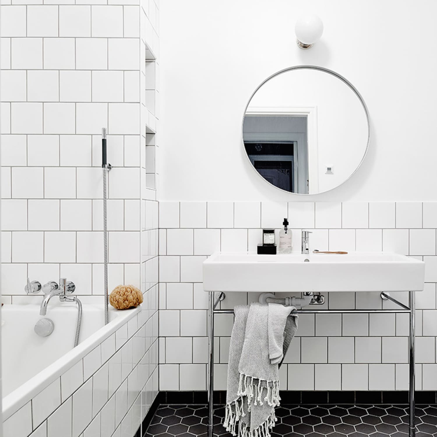 White Square Tiles: A Great Alternative to Subway Tile