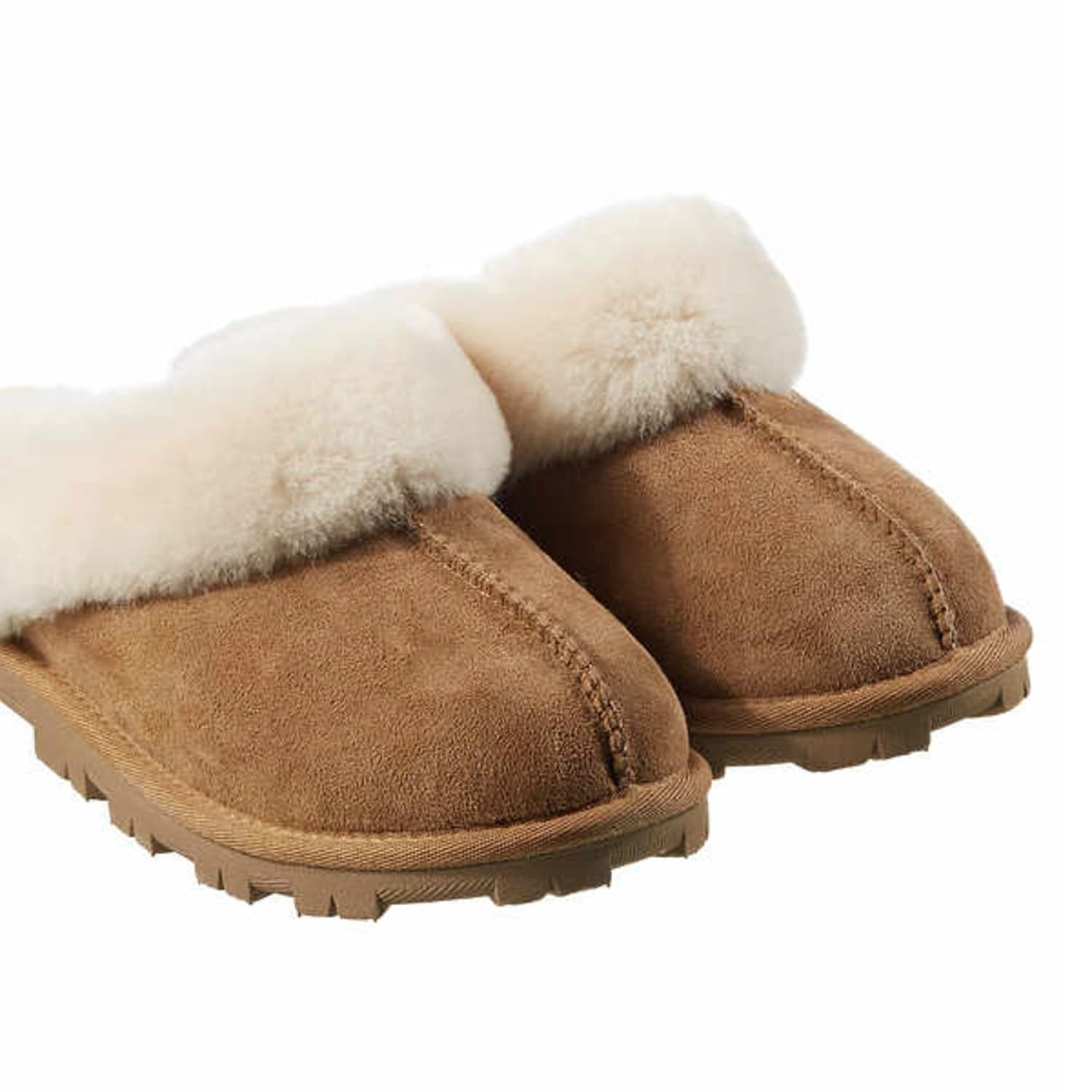 new products c944c 21cd9 Costco Shoppers Love These $20 Slippers That Are A UGG Dupe ...