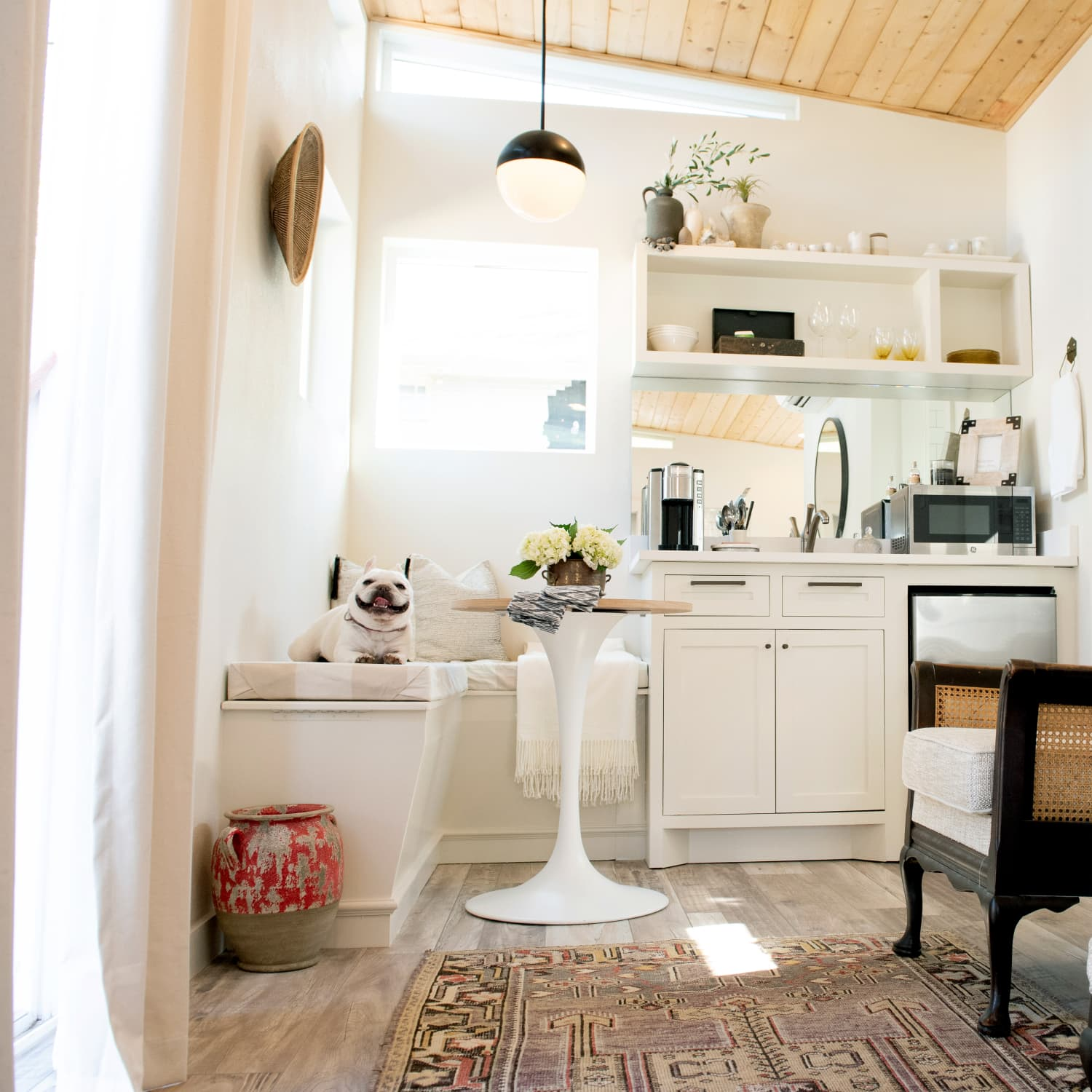 How to Fit a Dining Table in a Small Living Room | Apartment ...
