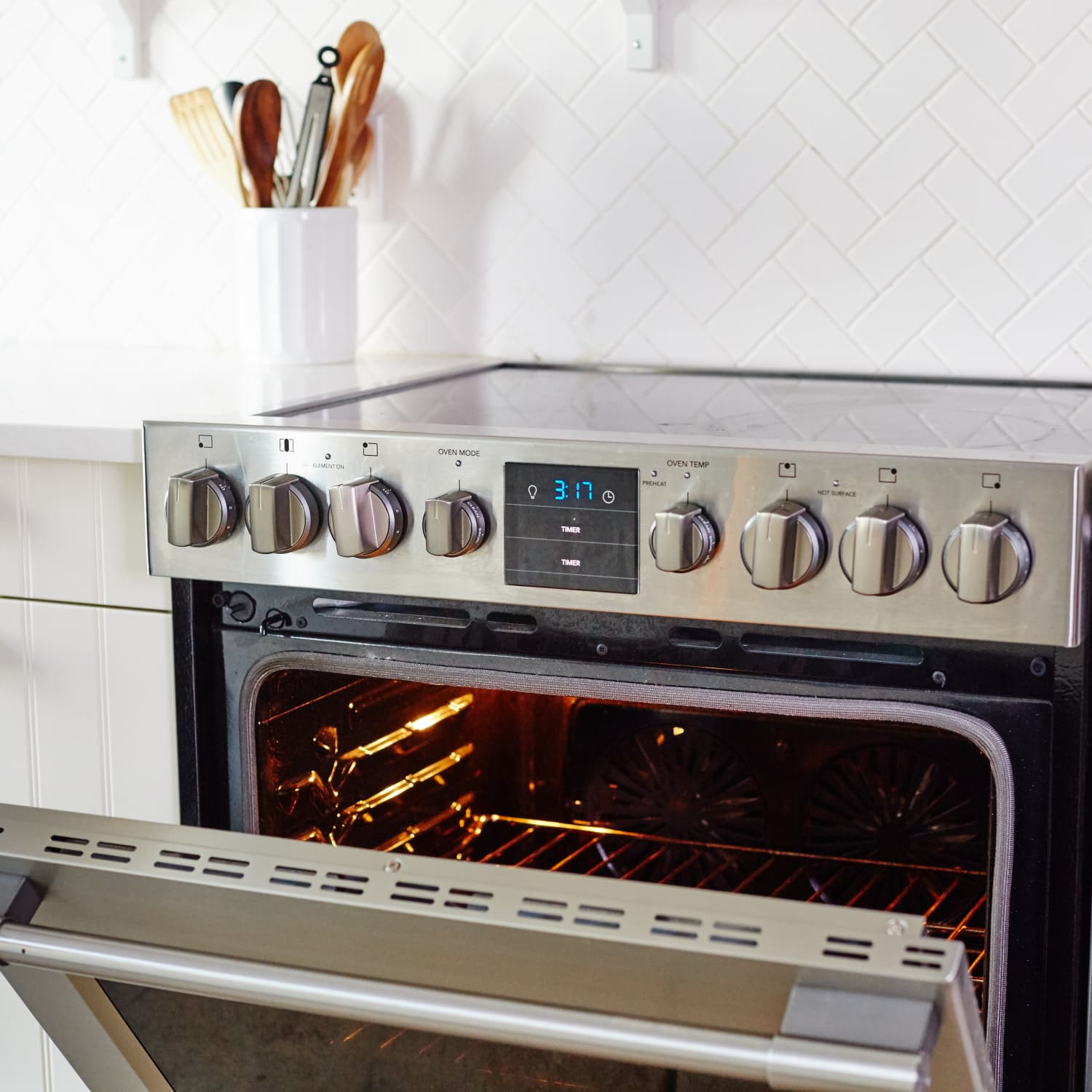 How To Clean an Oven with Baking Soda & Vinegar | Kitchn