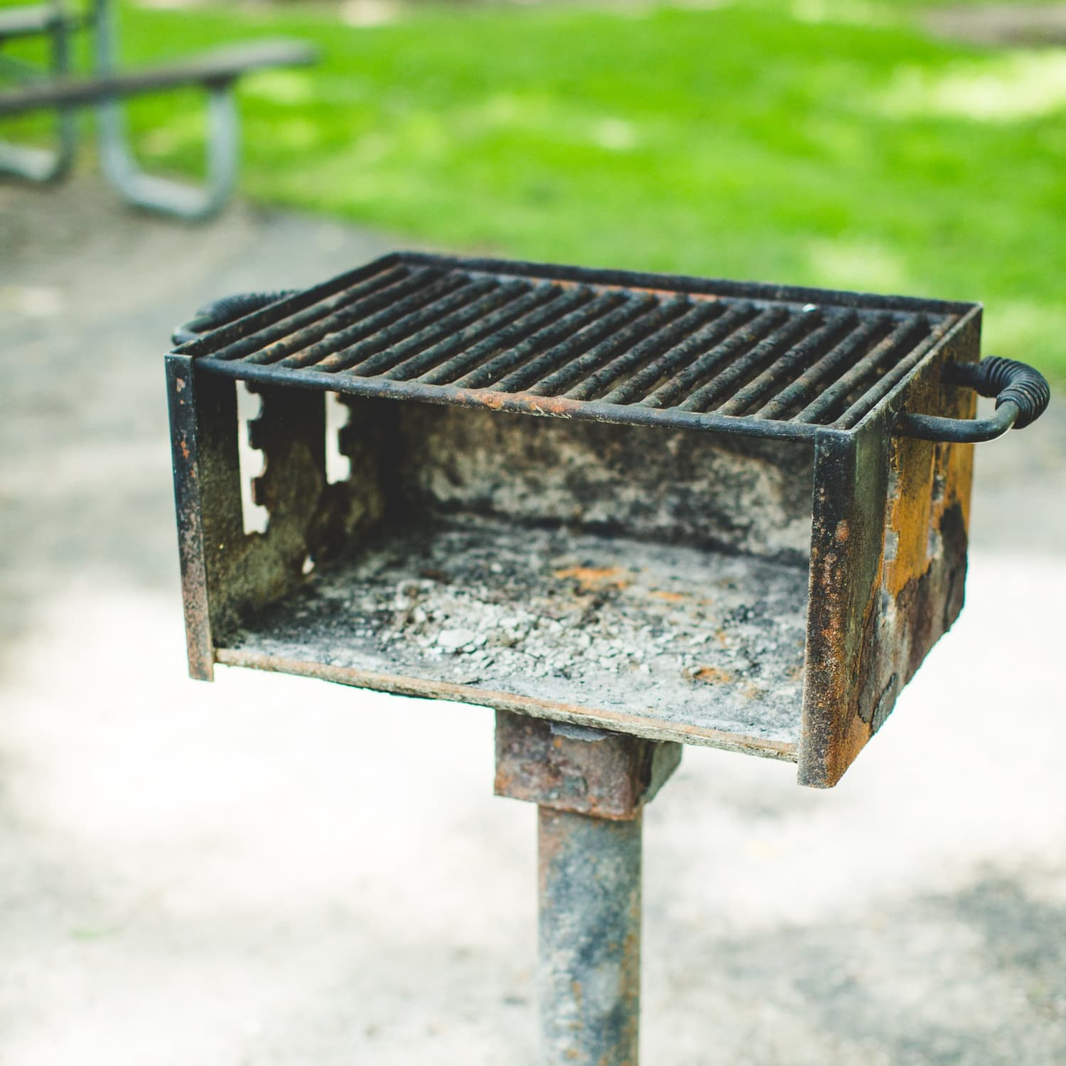 How To Clean a Charcoal Grill | Kitchn