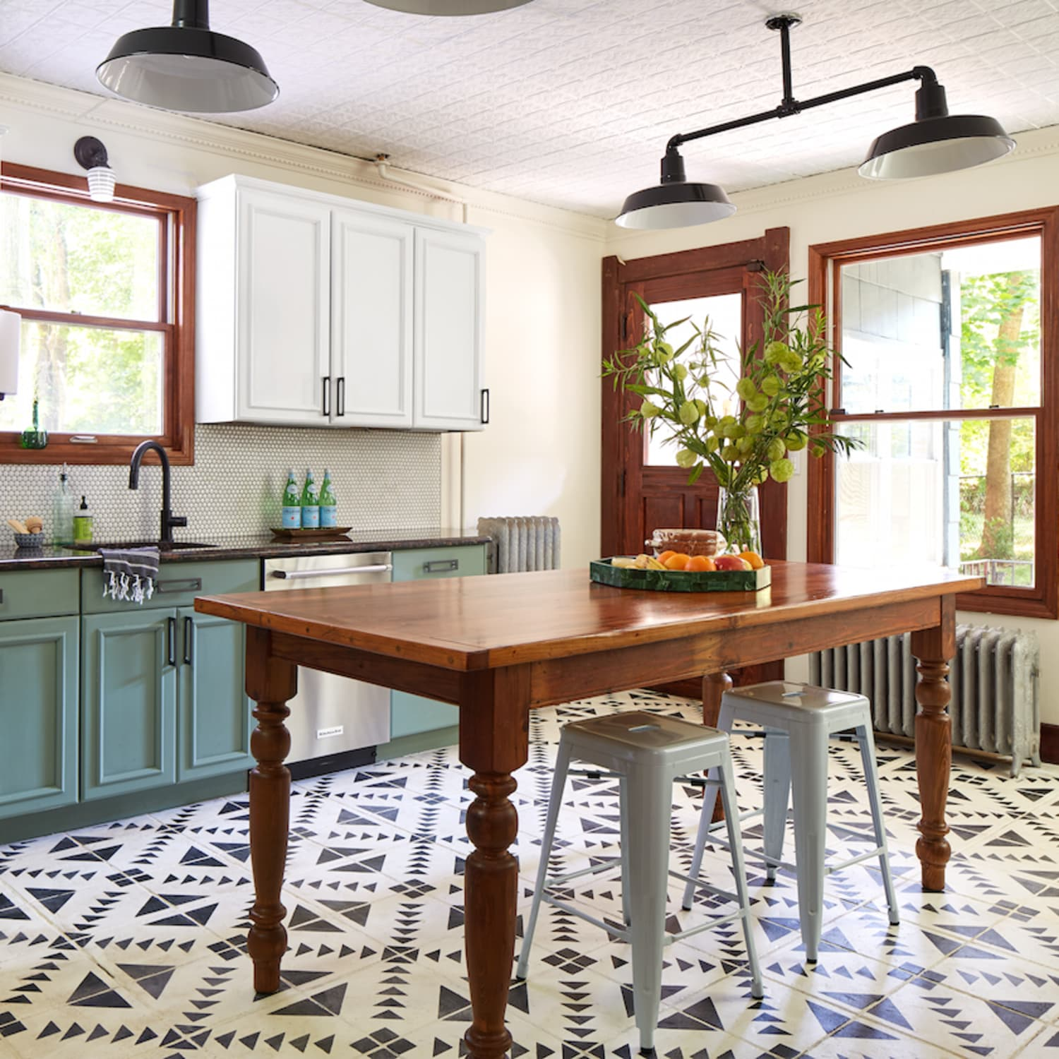 656e37c133dd Yes, You Can Paint Your Entire Kitchen with Chalk Paint | Kitchn