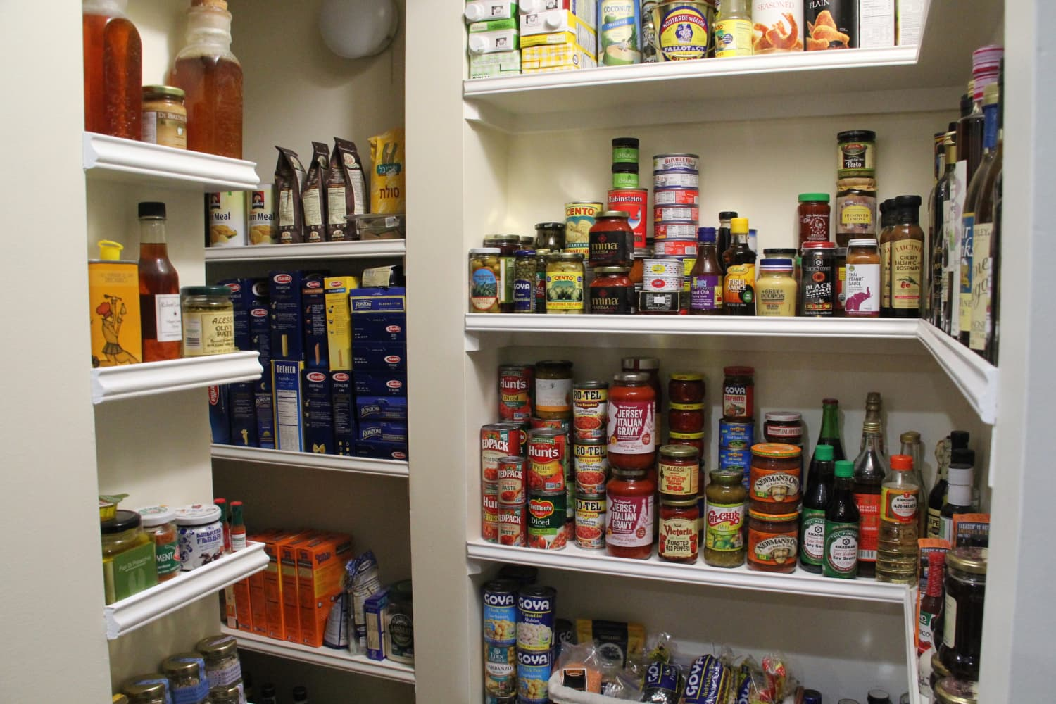 The Top 10 Pantry-Organizing Tips the Smartest Home Cooks Know