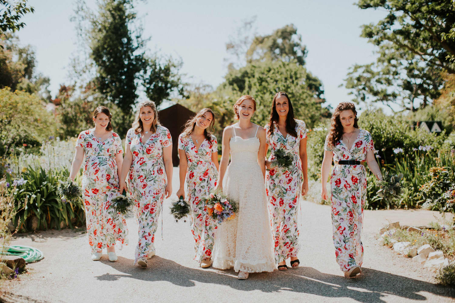 """This Botanical Garden Bride & Groom Said """"No"""" to Tradition and """"Yes"""" to Food Trucks"""