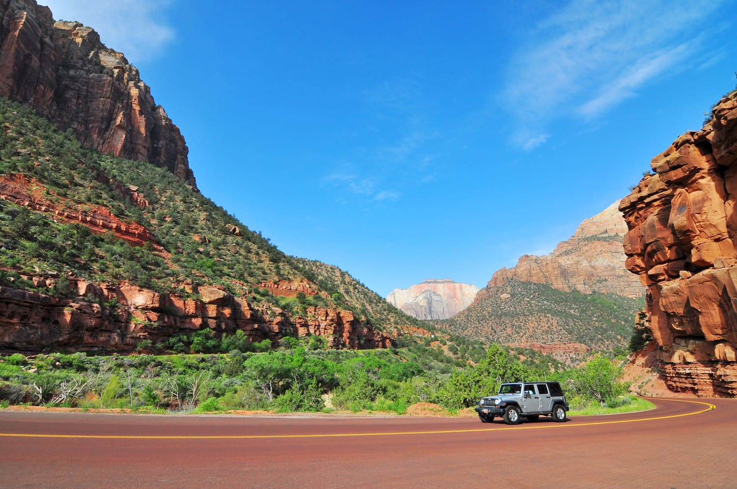 5 Epic Road Trip Maps That Tackle a Lifetime of Sightseeing in One Go