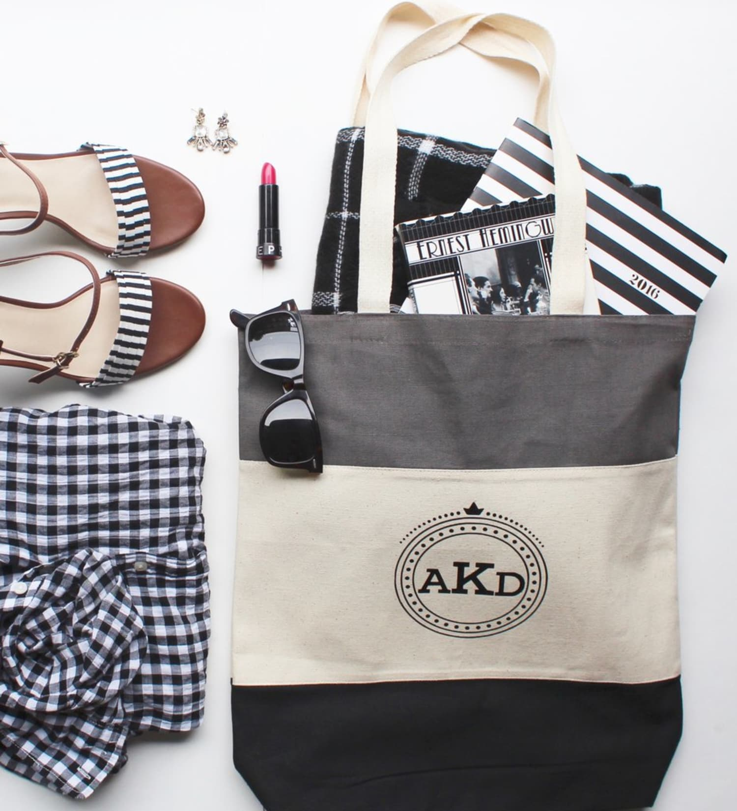 Fashion Hacks: 9 Simple Ways to Customize Your Clothing