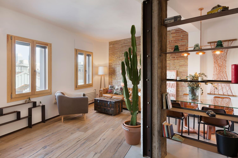 "An ""Industrial Modern"" Renovation of a Barcelona Apartment"