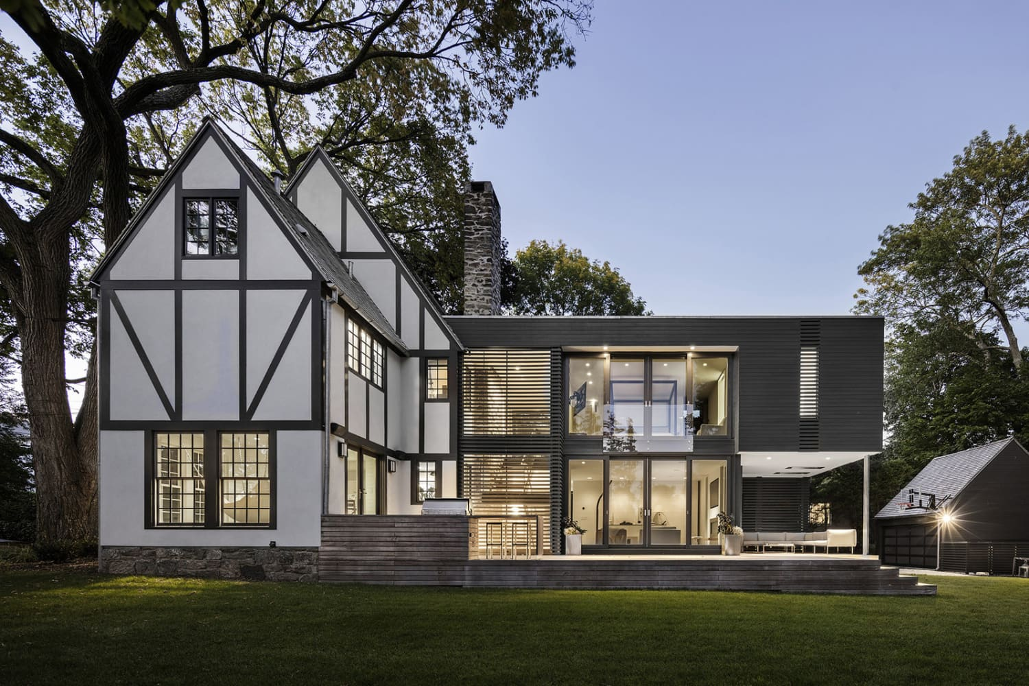 Business in the Front, Party in the Back: 5 Traditional Homes that Got Super-Modern Additions
