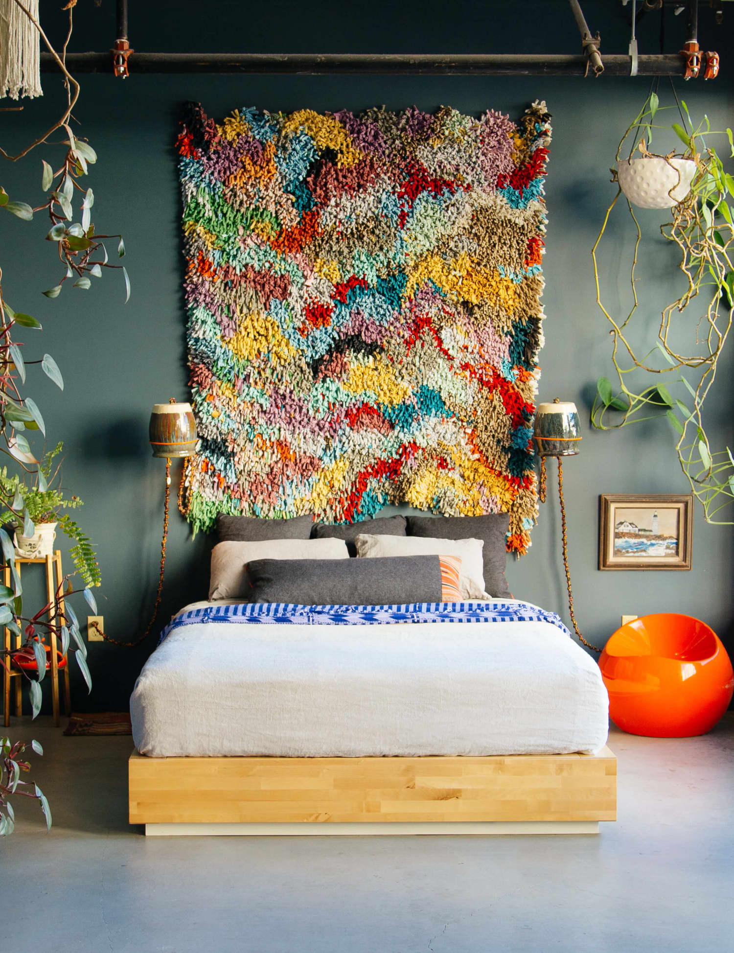 A Totally Unexpected 3-in-1 Design Solution for Blank Walls