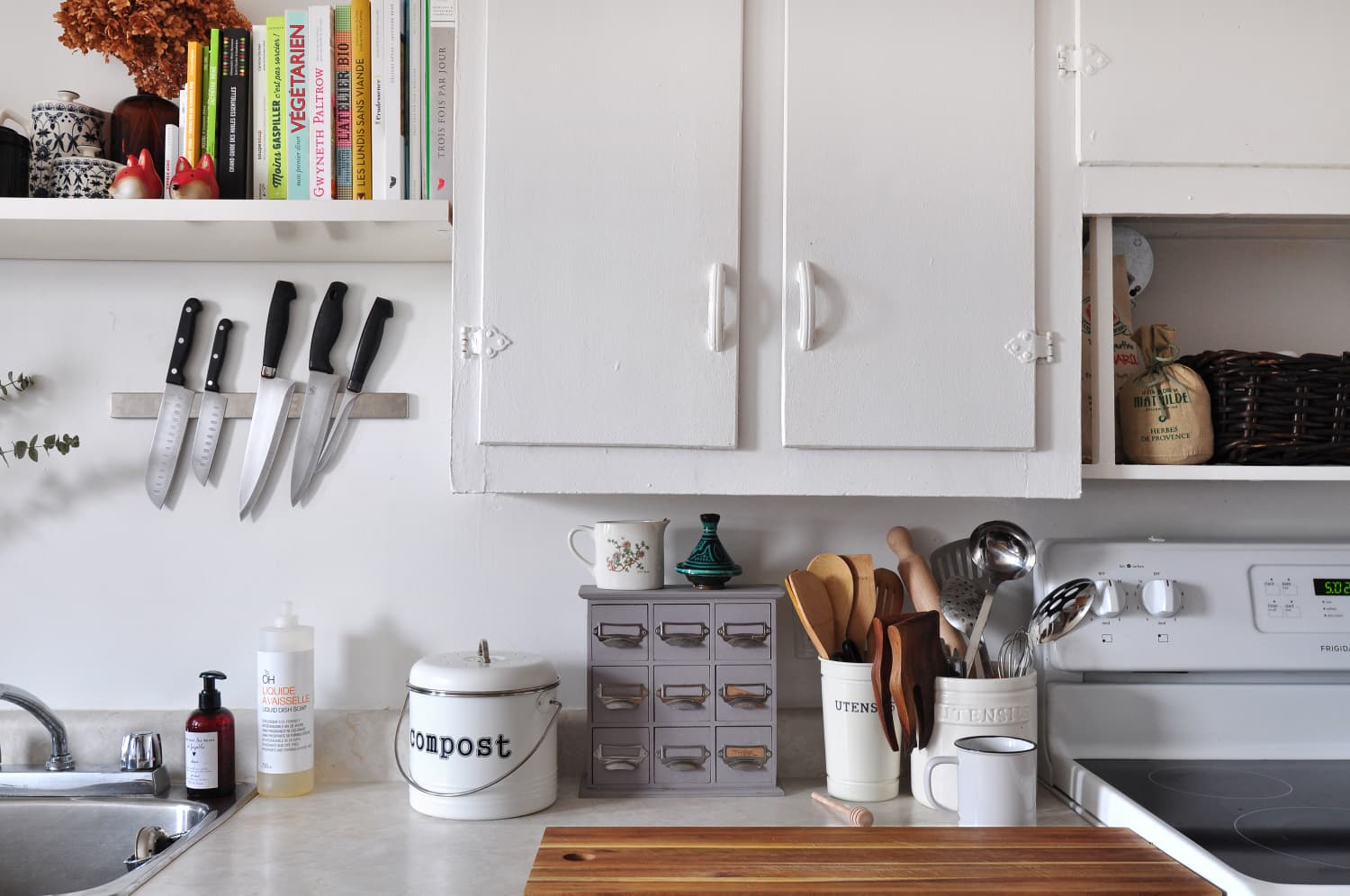 IKEA Came Up With Yet Another Clever Use For Their Magnetic Knife Holders