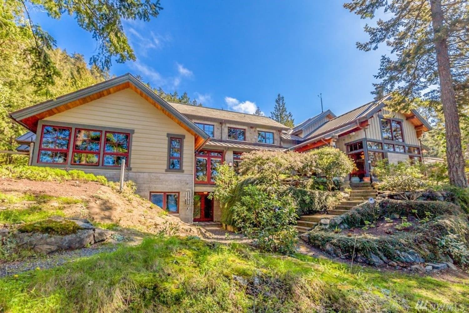 Oprah Buys 43-Acre Pacific Northwest Island Estate for $8.28M