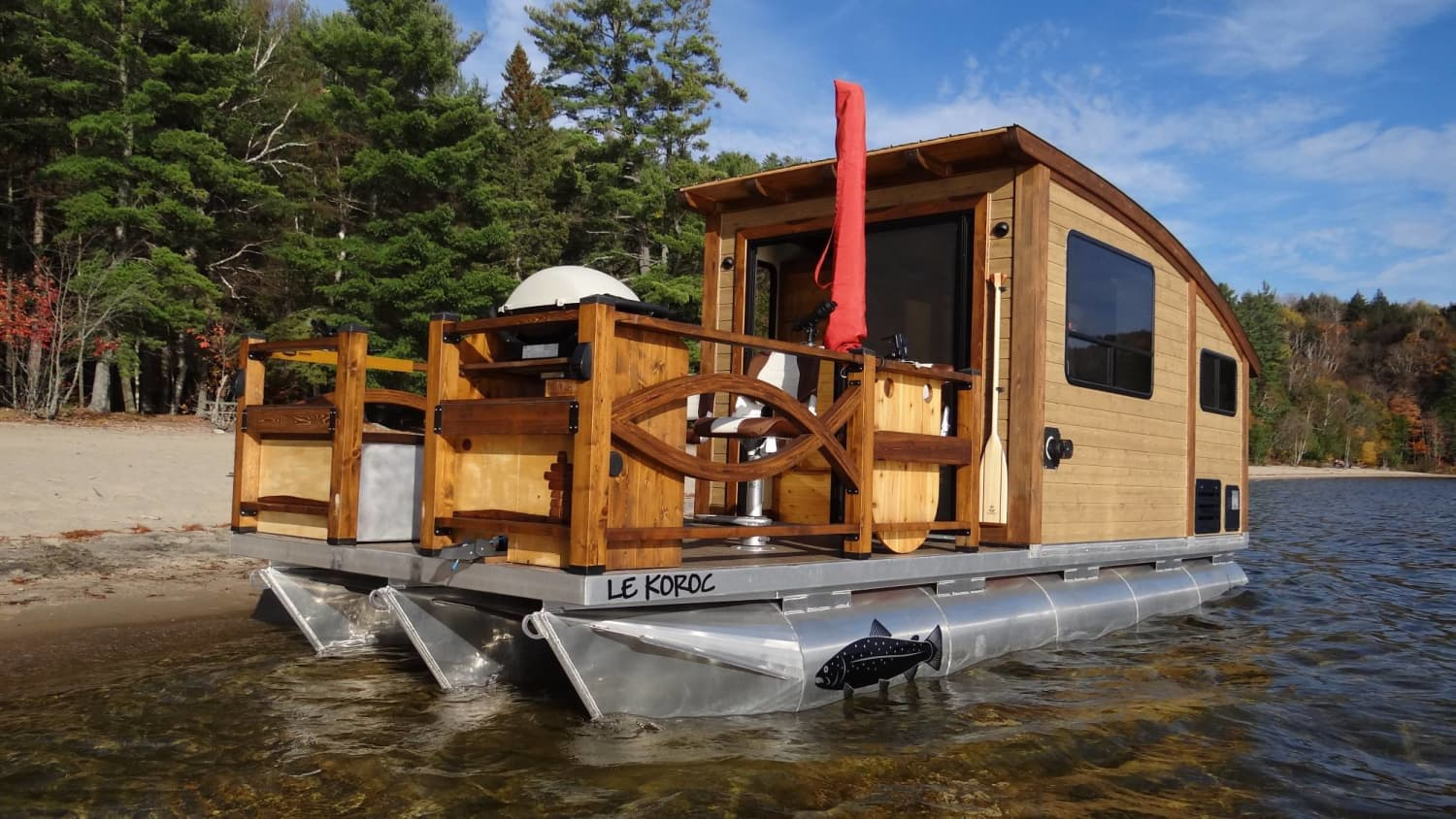 This Tiny Canadian Houseboat is a Solar-Powered, Off-Grid Craftsman Dream