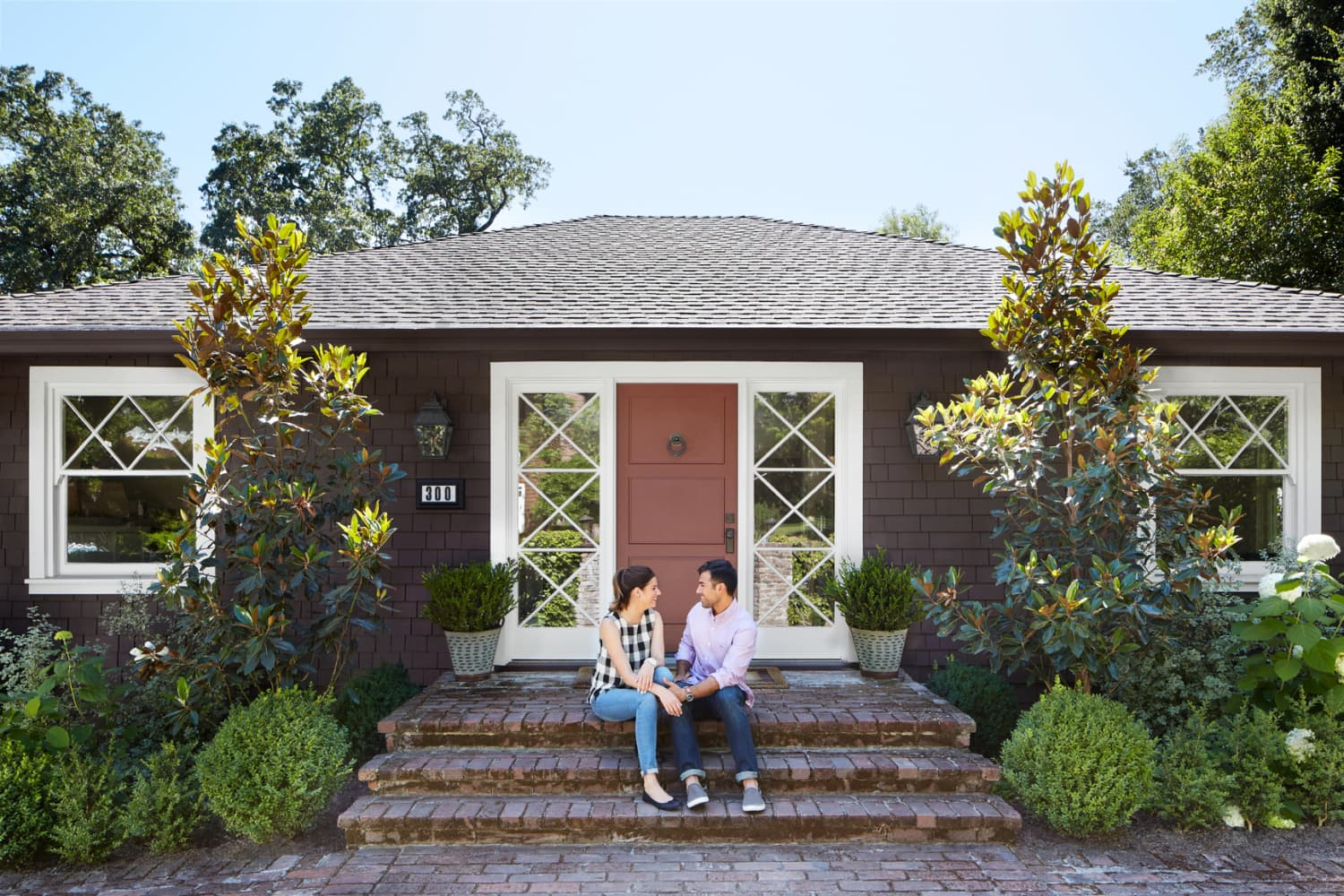 8 People You Need When Buying a Home, According to Experts