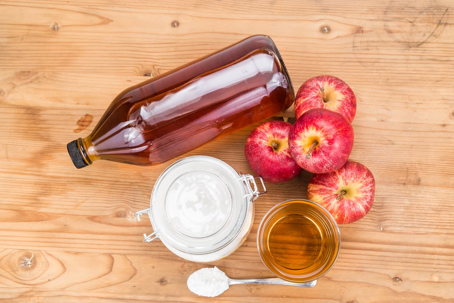 13 Ways to Clean Your Whole Home with Apple Cider Vinegar