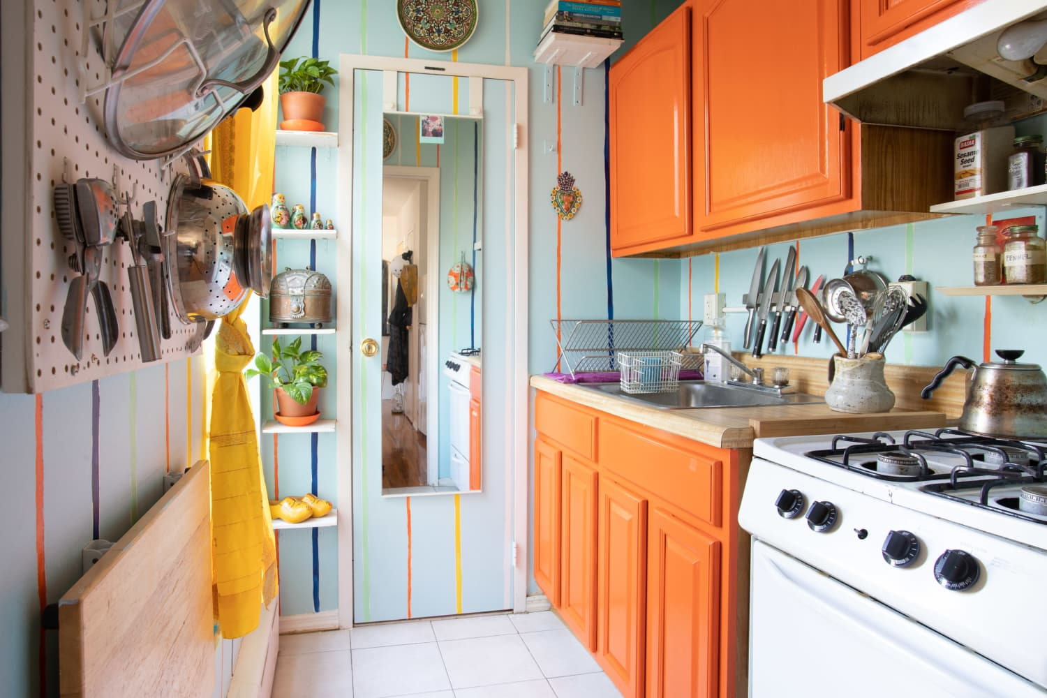Incredible Color and DIY Projects Fill This Small Brooklyn Apartment