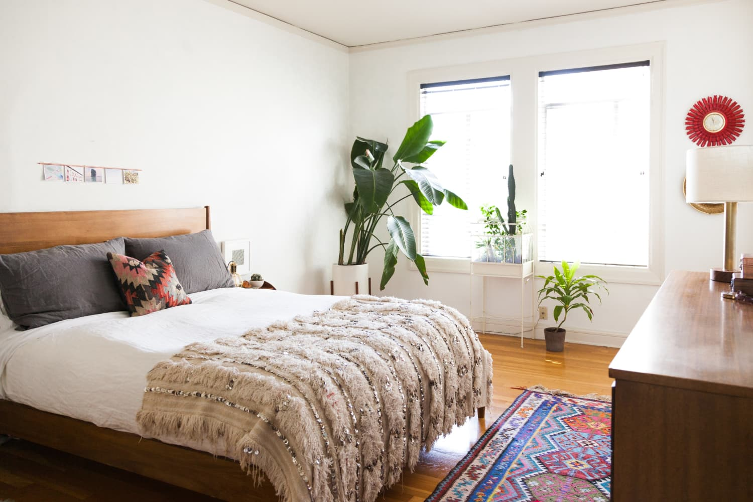 The Surprisingly Simple Bedroom Trend We've Been Seeing Everywhere