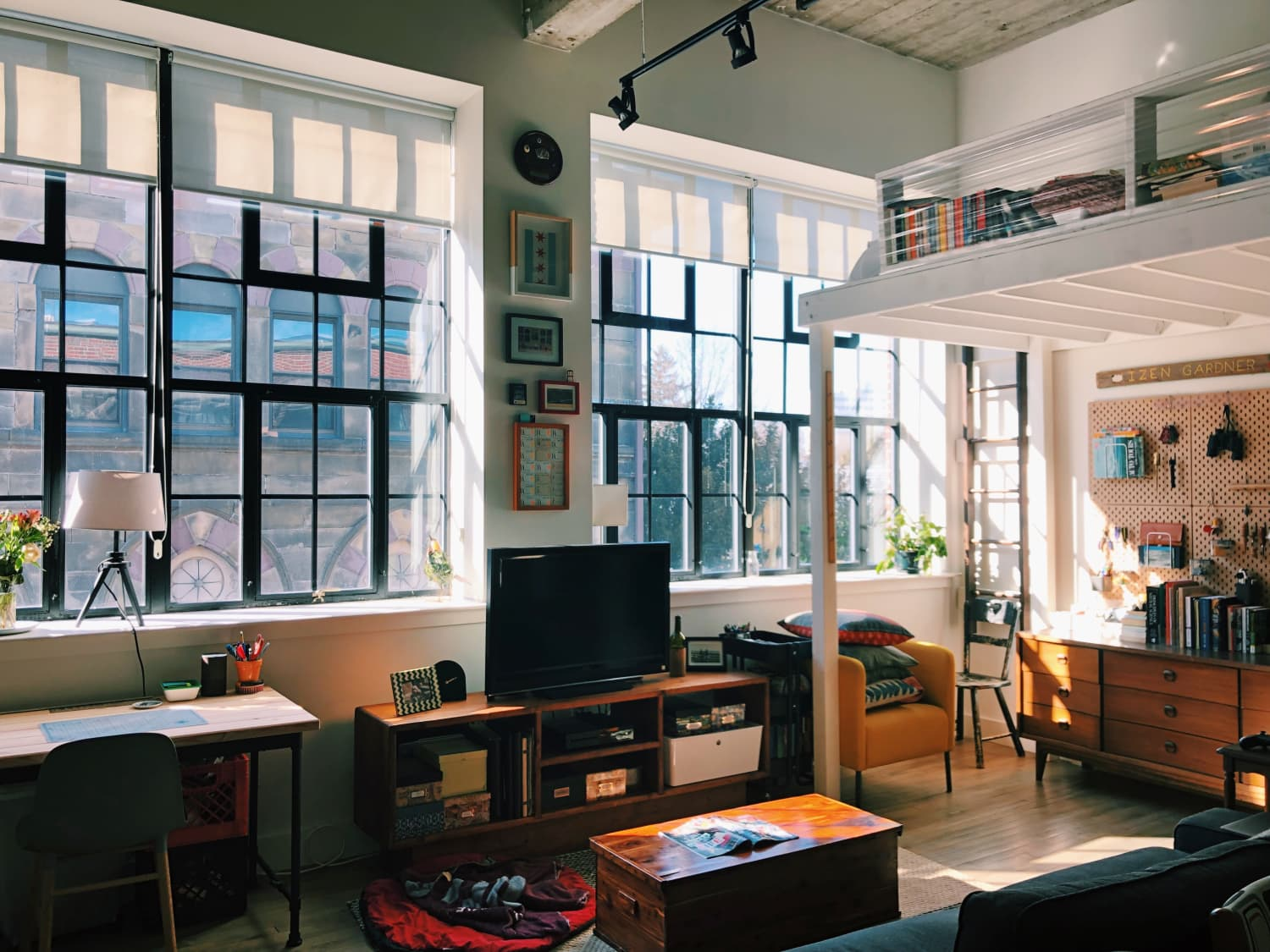 A Small Boston Studio Apartment Has One of the Best DIY Bedroom Lofts Ever