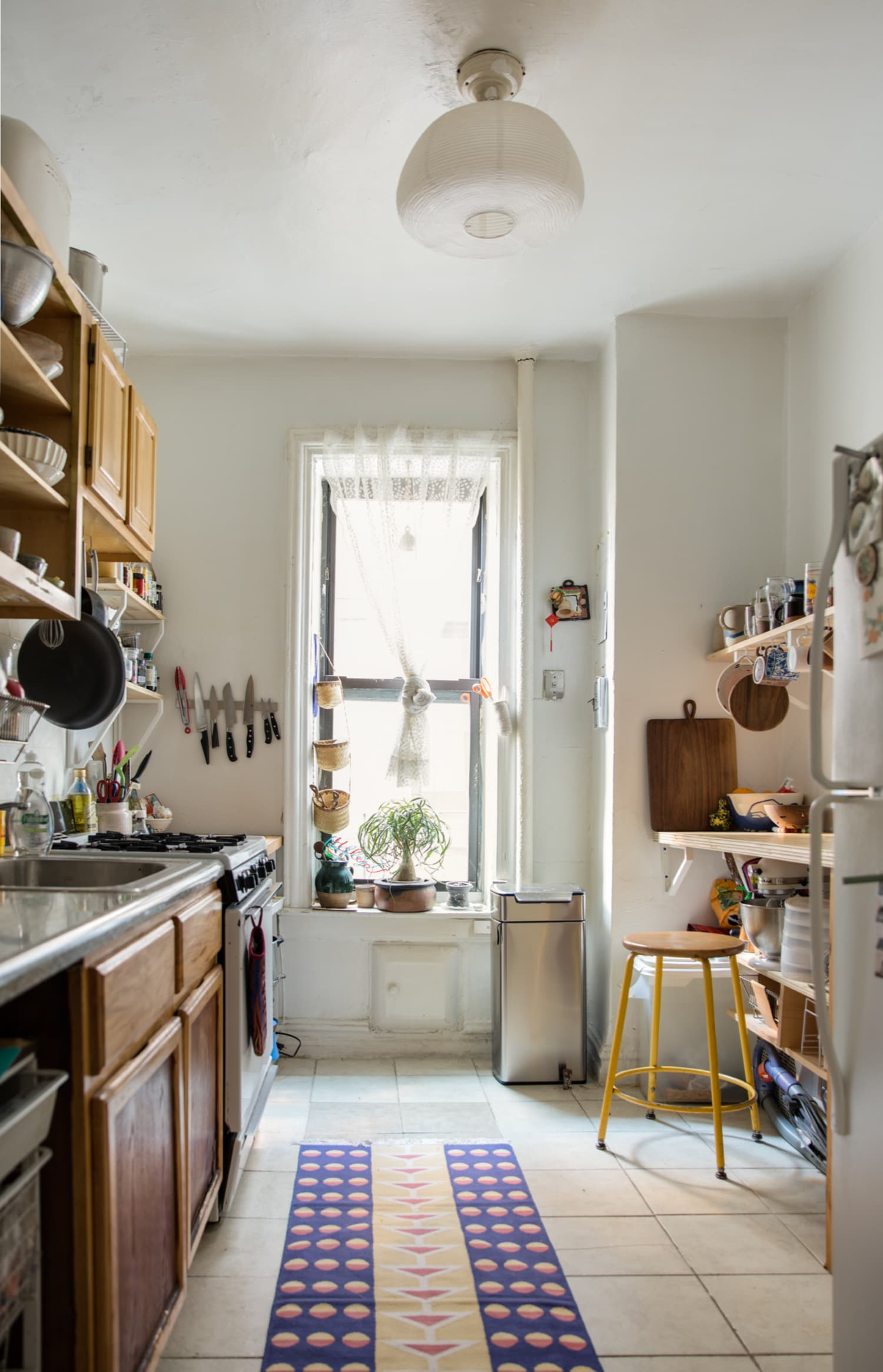 4 Garbage Can Tricks Everyone Should Try for a Better-Smelling Kitchen | Apartment Therapy