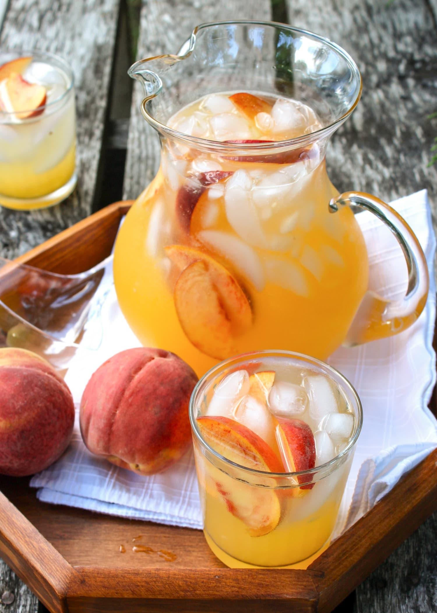 Recipe: Sparkling Spiked Peach Lemonade