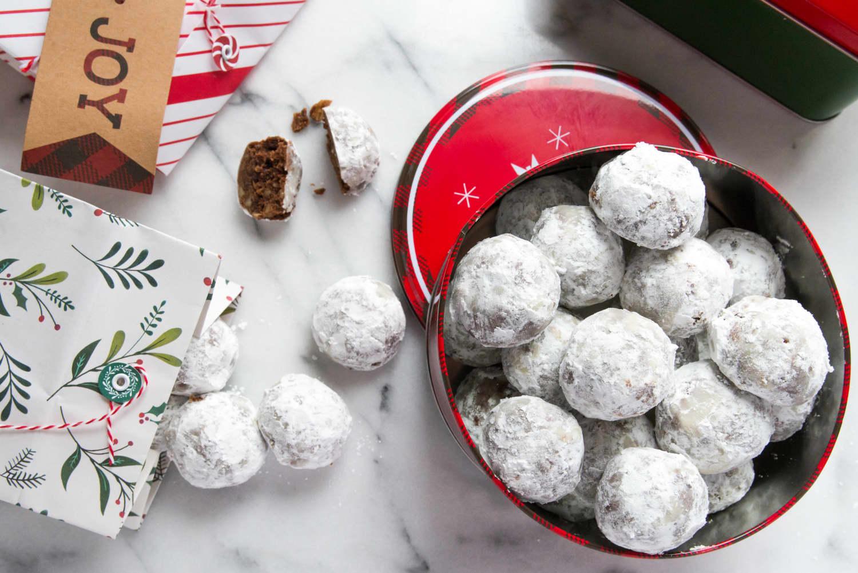 Recipe: Chocolate Mexican Wedding Cookies