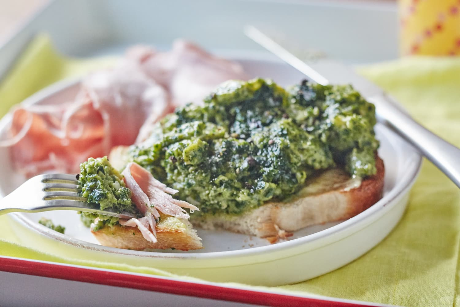 How To Make Green Eggs and Ham for Breakfast