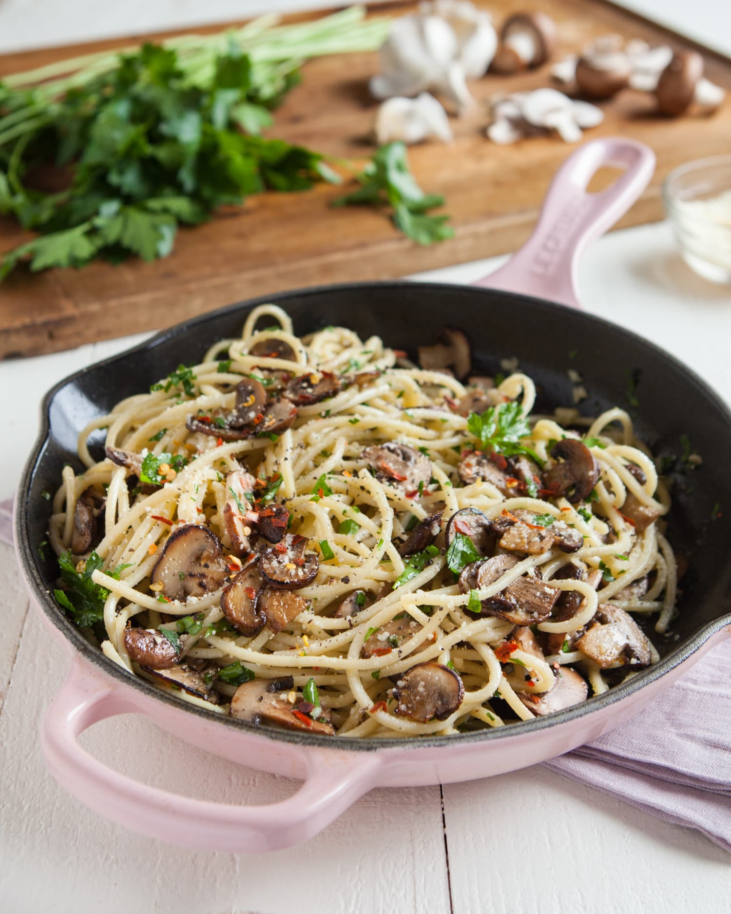 Recipe: Mushroom and Garlic Spaghetti Dinner