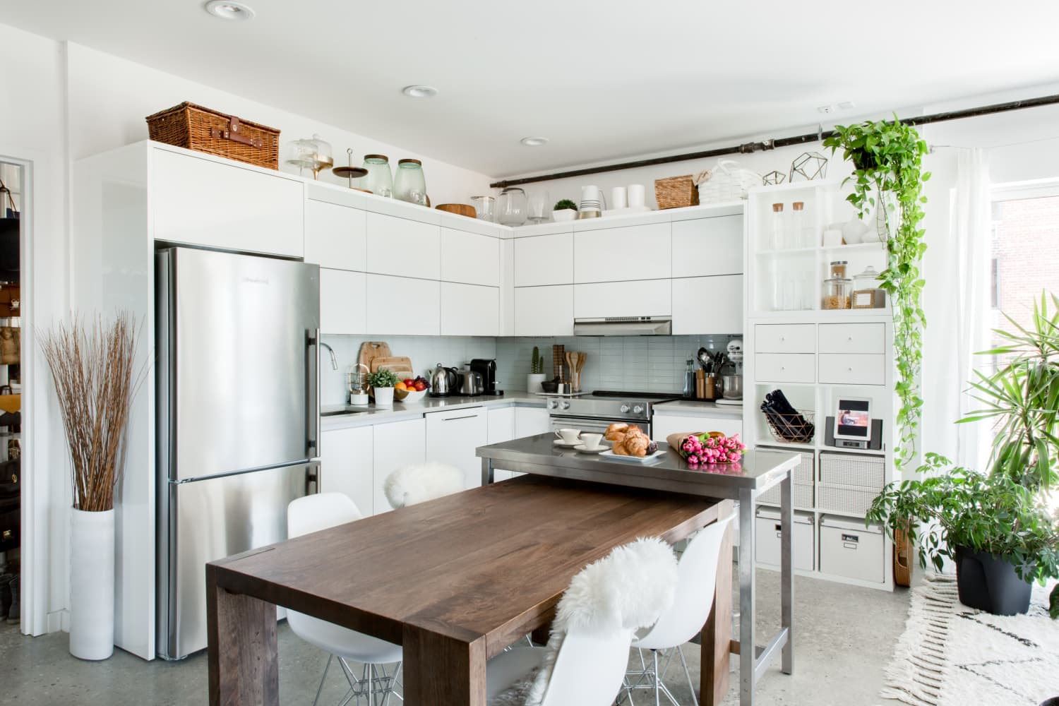 5 Ways to Take Advantage of the Most Obvious Wasted Space in Your Kitchen