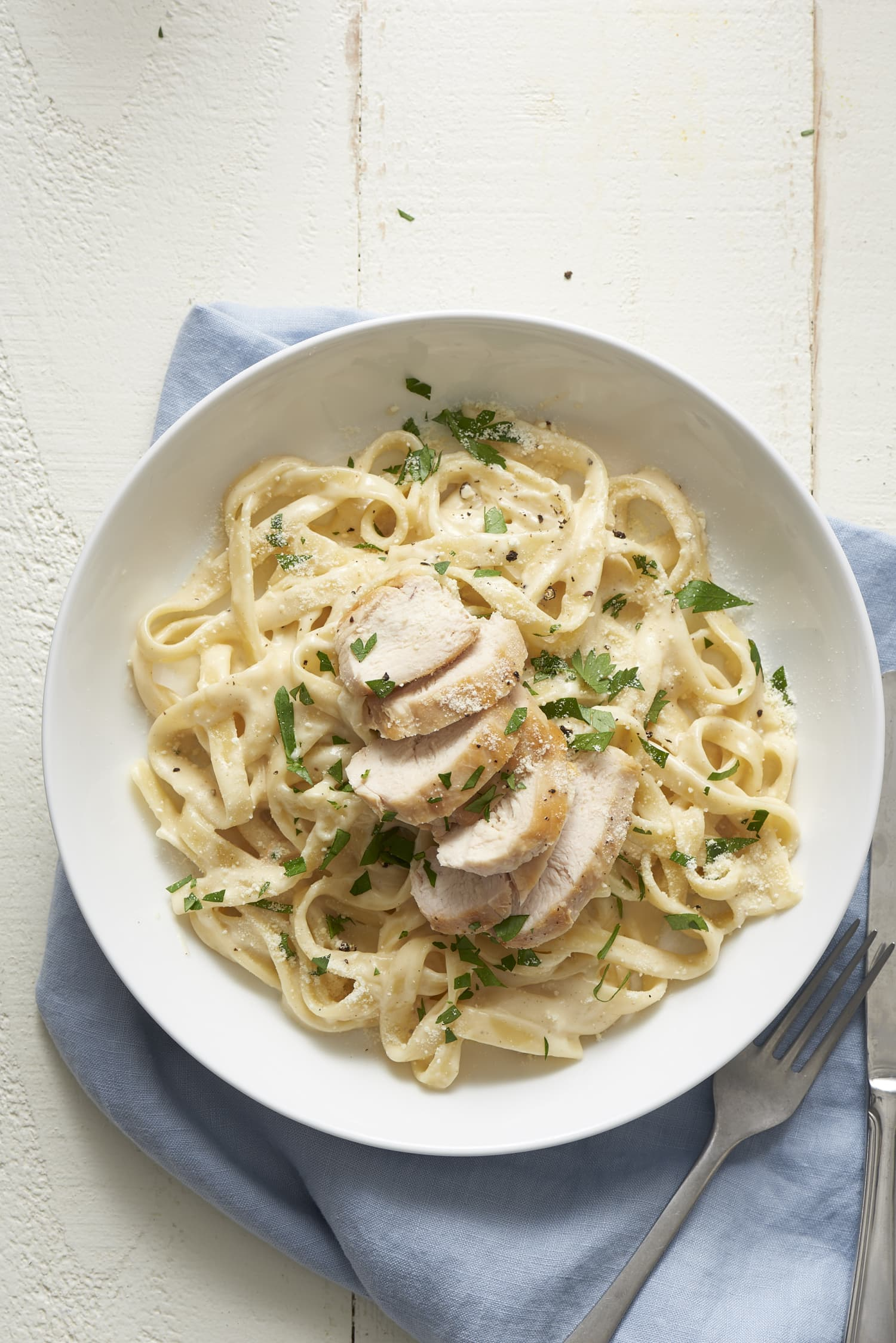 How To Make Classic Chicken Alfredo Pasta: The Easiest, Simplest Method