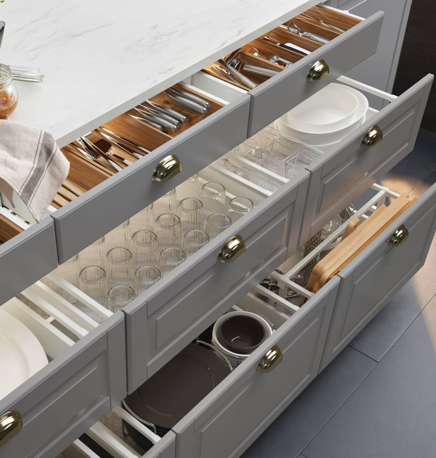 Why You Should Replace All of Your Kitchen Cabinets with Drawers