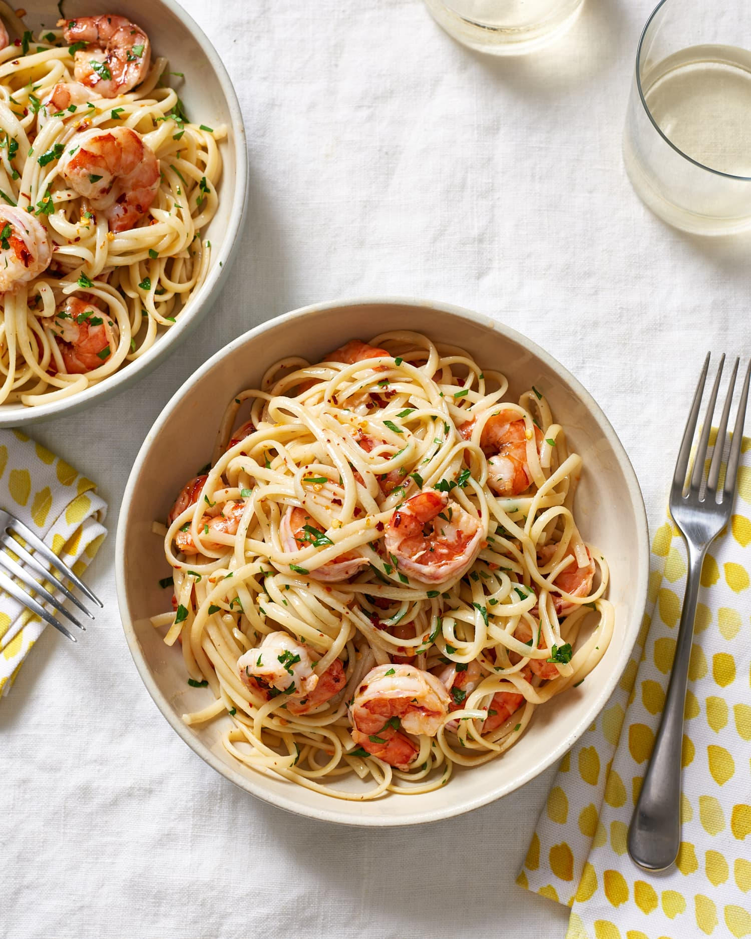 How To Make the Best Easy Shrimp Scampi (with Linguine)
