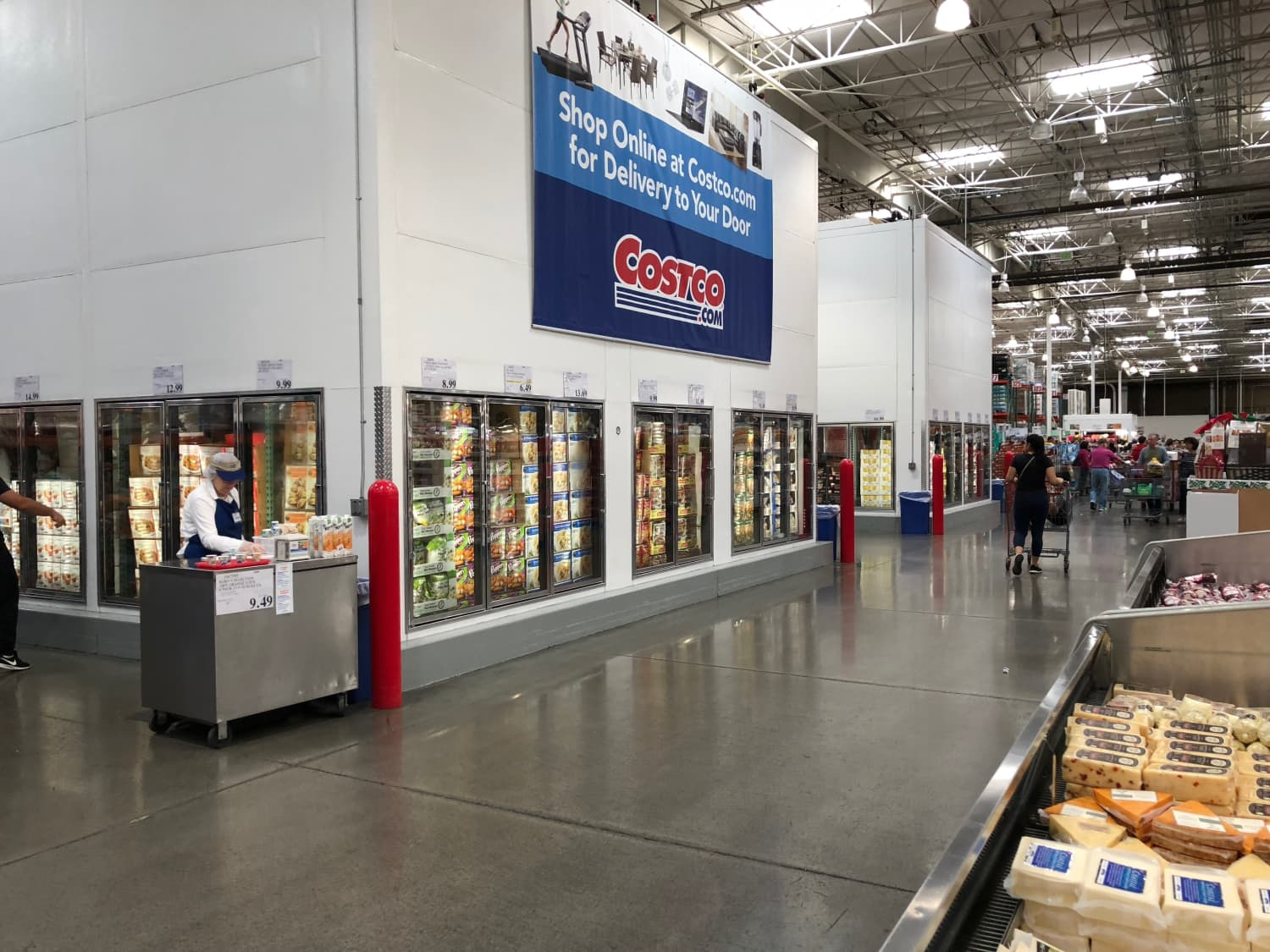The 10 Frozen Foods This Nutritionist Always Buys at Costco