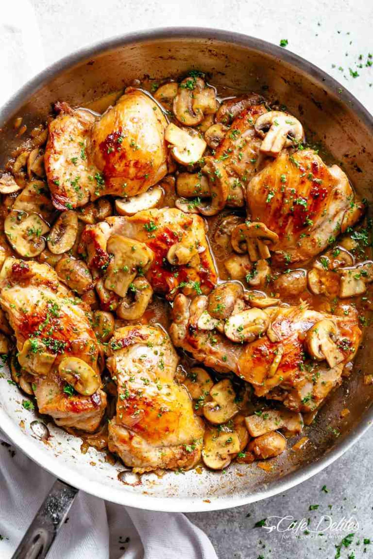 Make These Garlic Mushroom Chicken Thighs ASAP