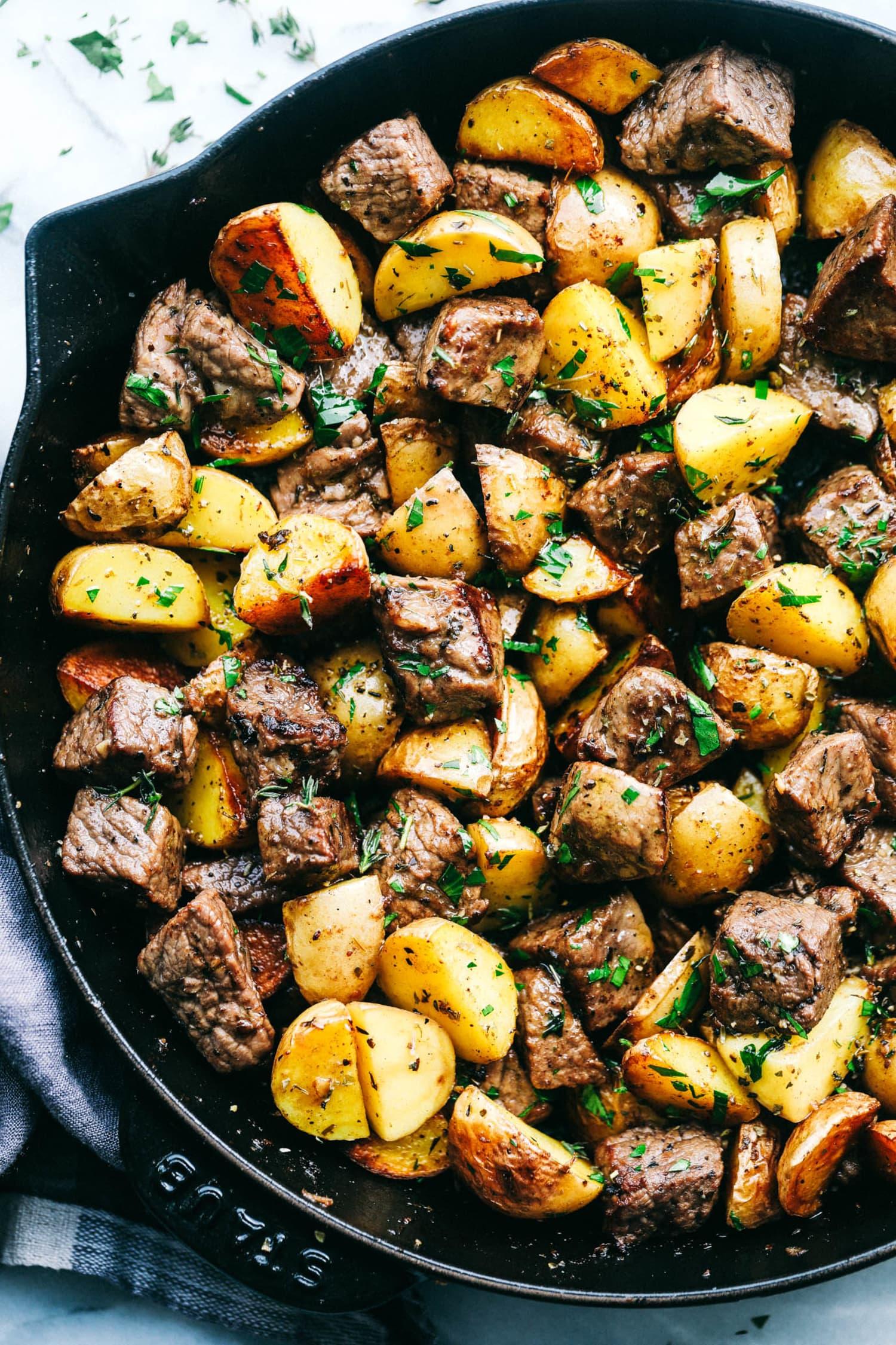 Treat Yourself to Garlic Butter Herb Steak Bites Tonight