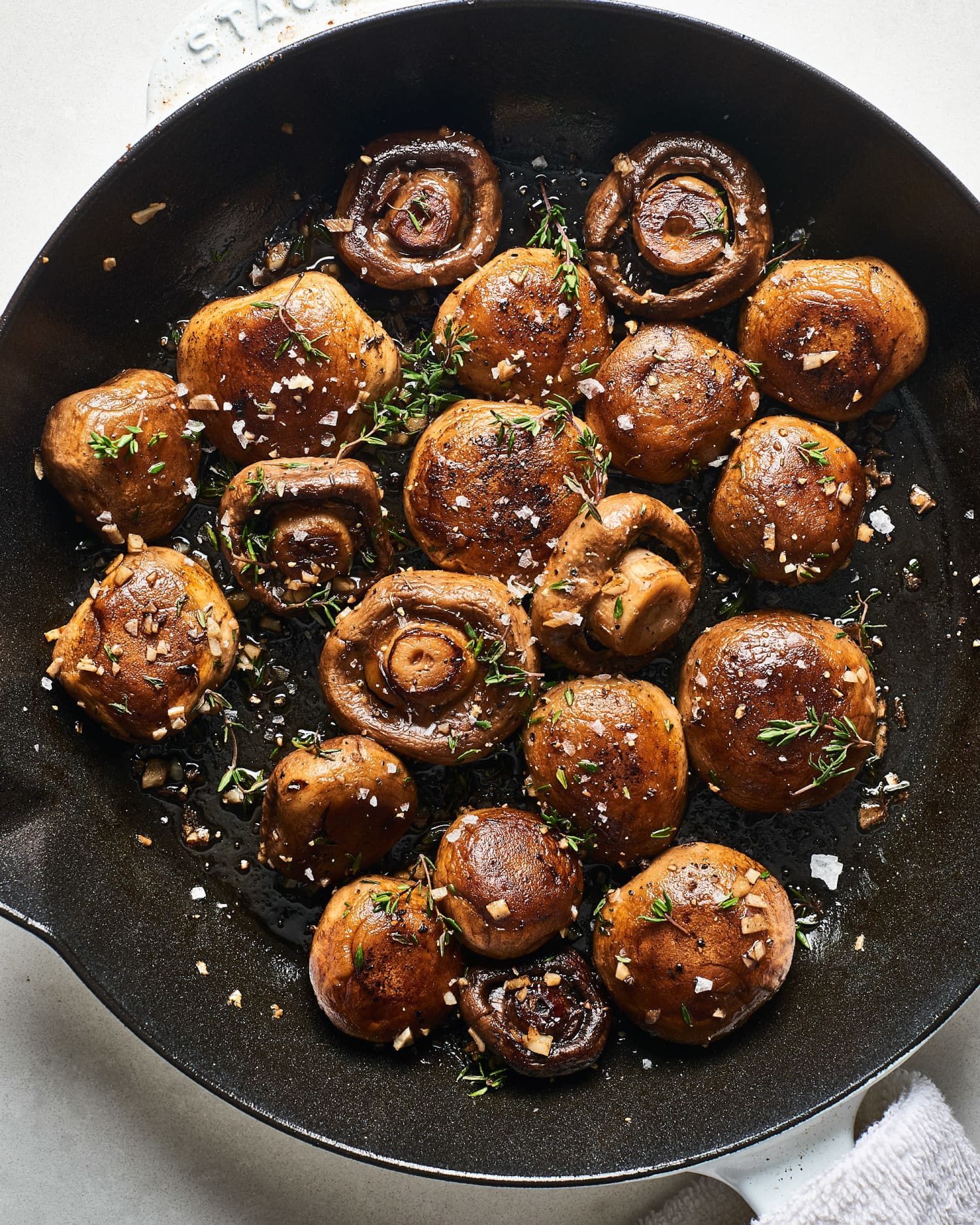 Recipe: Easy 15-Minute Garlic Butter Mushrooms — Recipes from The Kitchn