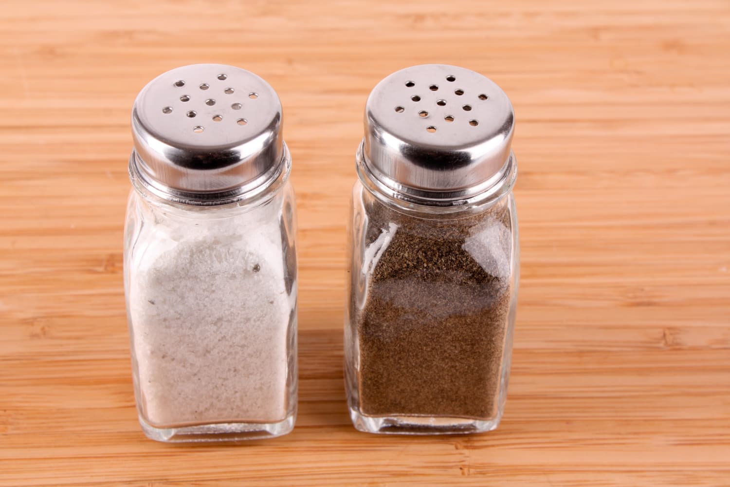 This Salt and Pepper Shaker Trick Is Blowing Up the Internet