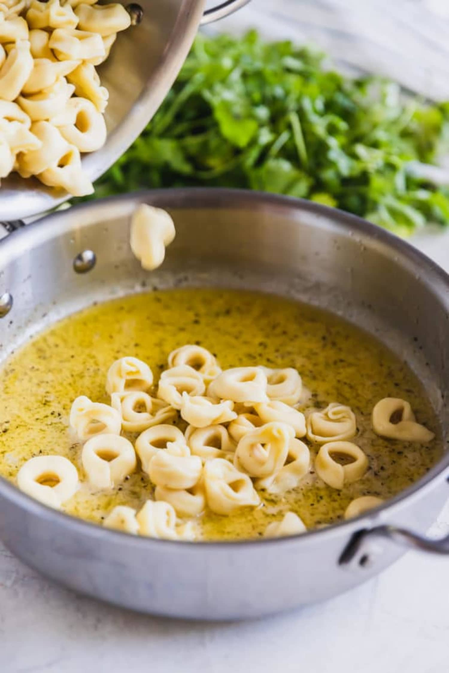 Cheese Tortellini in Garlic Sauce Is a Weeknight Hero