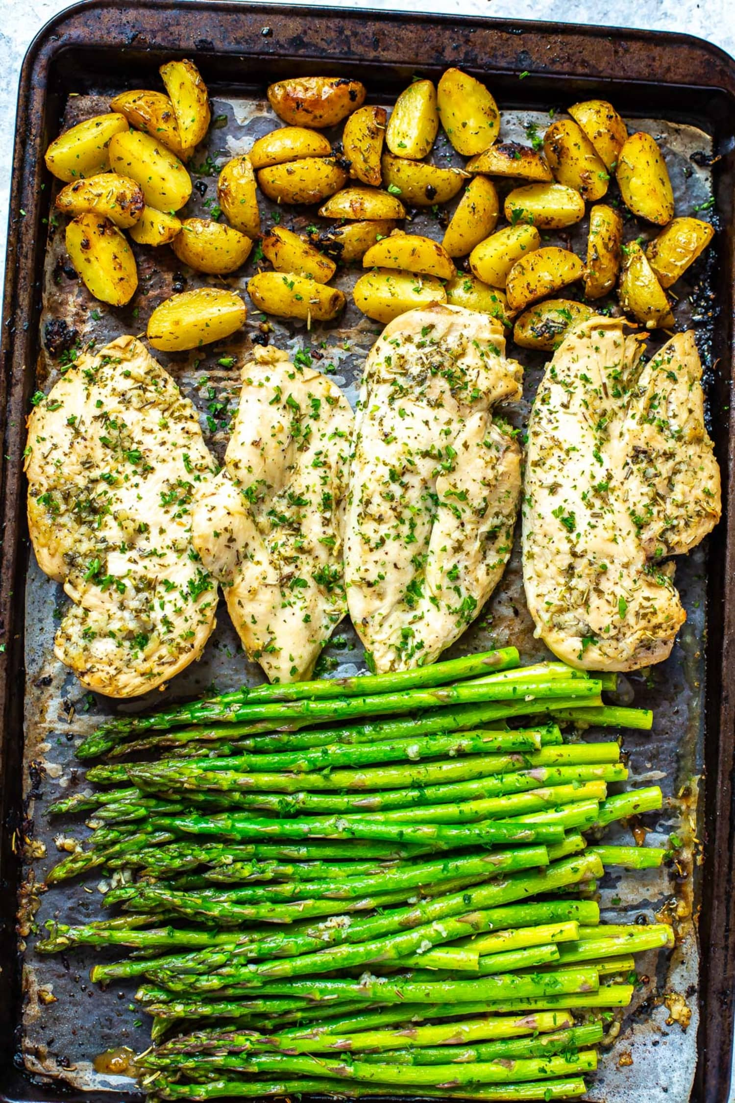 This 30-Minute Sheet Pan Chicken Dinner Is a Spring Favorite